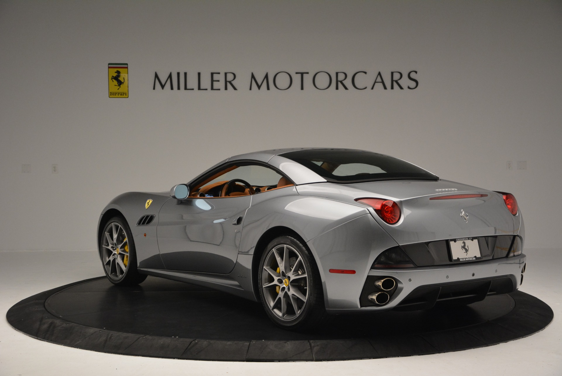 Used 2012 Ferrari California  For Sale In Greenwich, CT 2524_p17