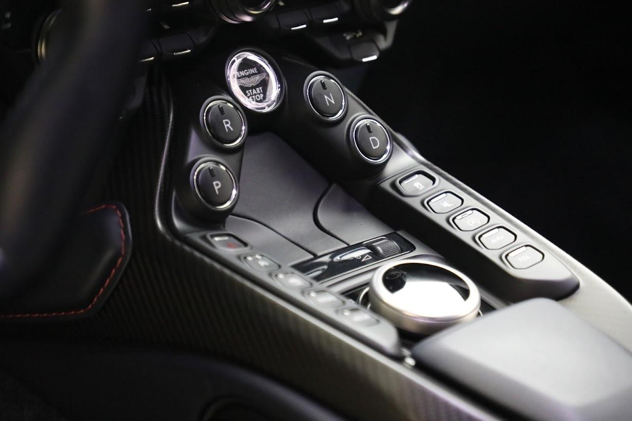 New 2019 Aston Martin Vantage V8 For Sale In Greenwich, CT 2527_p20