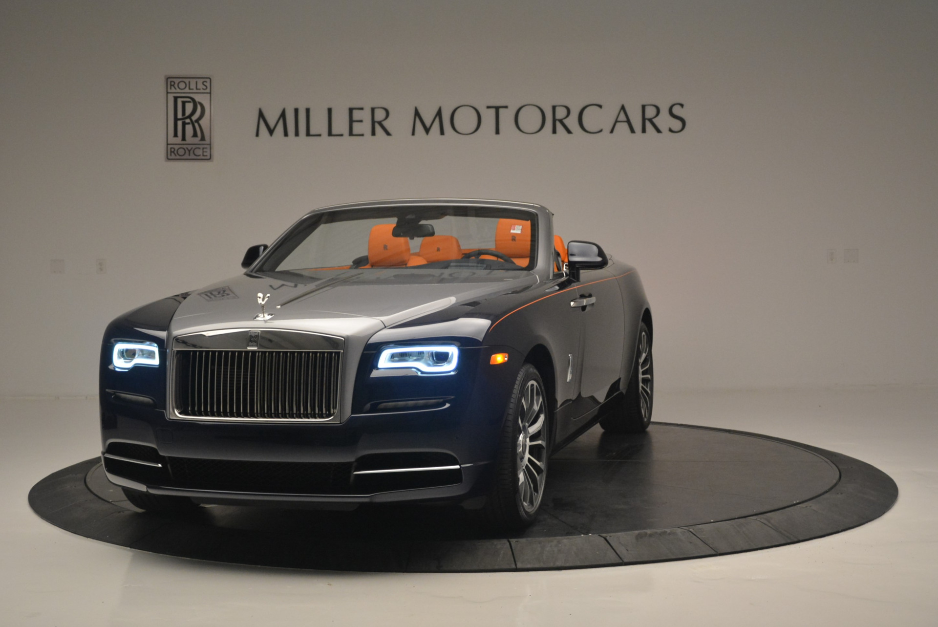 New 2019 Rolls-Royce Dawn  For Sale In Greenwich, CT 2531_main