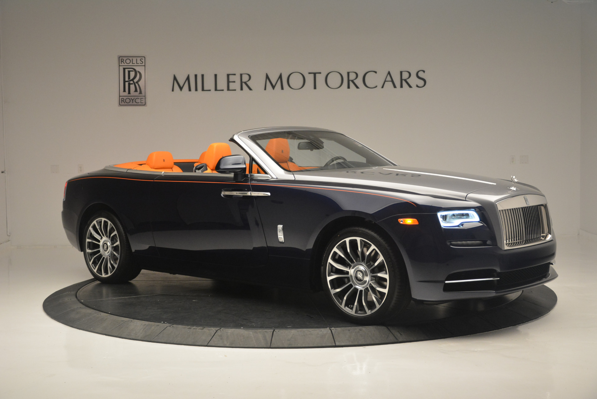 New 2019 Rolls-Royce Dawn  For Sale In Greenwich, CT 2531_p10
