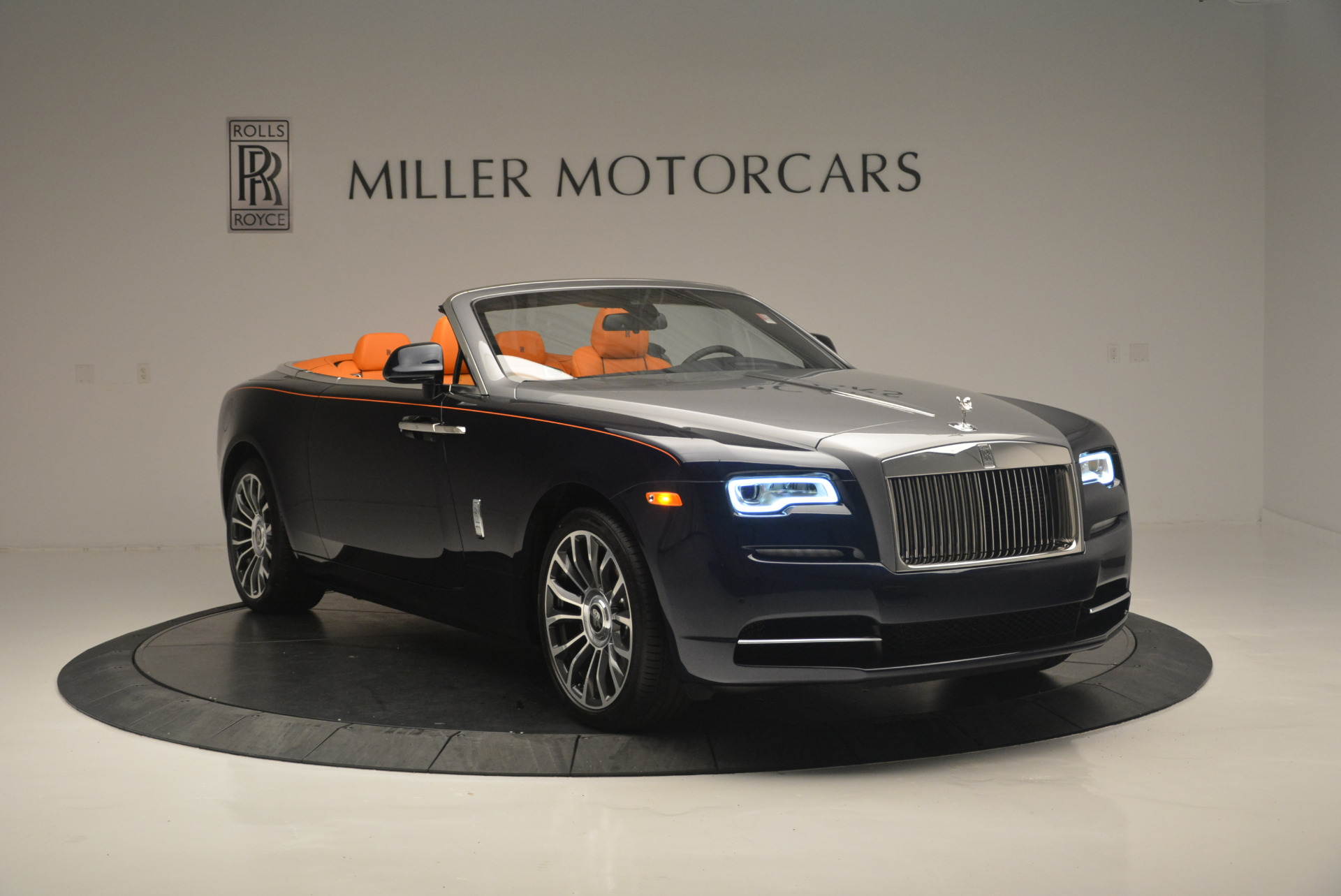 New 2019 Rolls-Royce Dawn  For Sale In Greenwich, CT 2531_p11