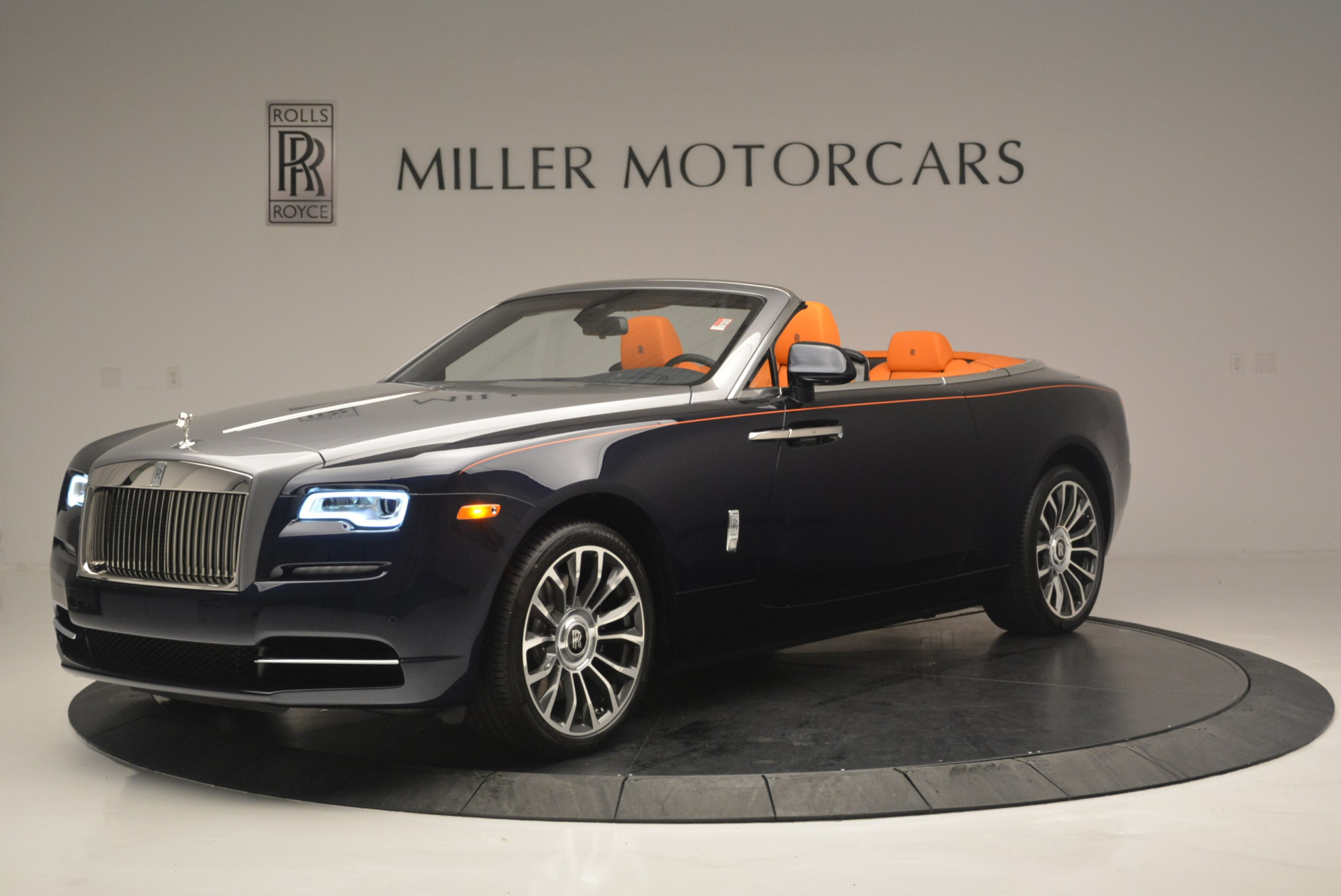 New 2019 Rolls-Royce Dawn  For Sale In Greenwich, CT 2531_p2