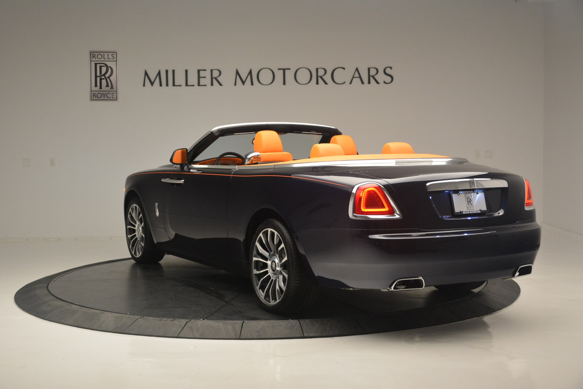 New 2019 Rolls-Royce Dawn  For Sale In Greenwich, CT 2531_p5