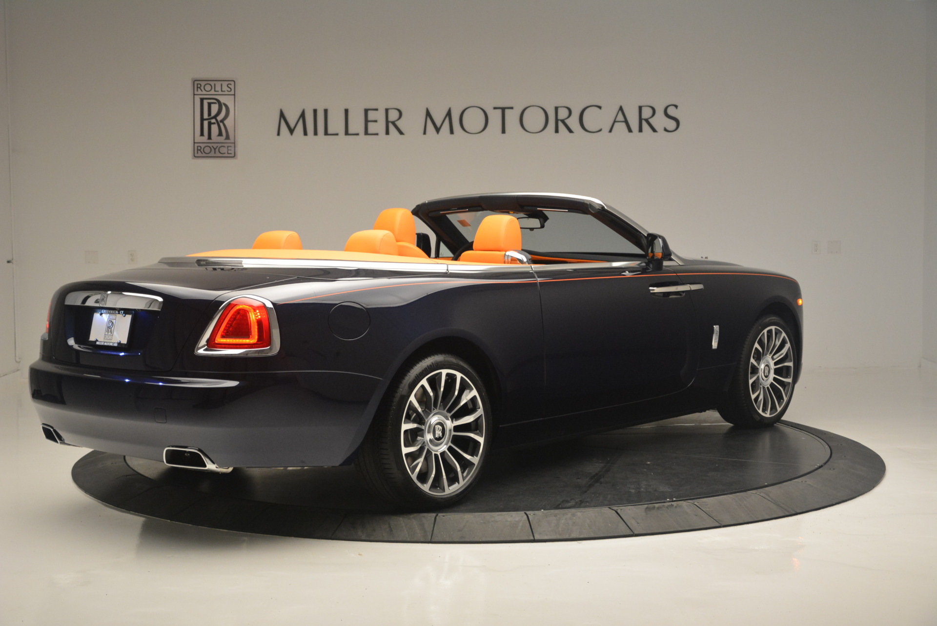 New 2019 Rolls-Royce Dawn  For Sale In Greenwich, CT 2531_p8