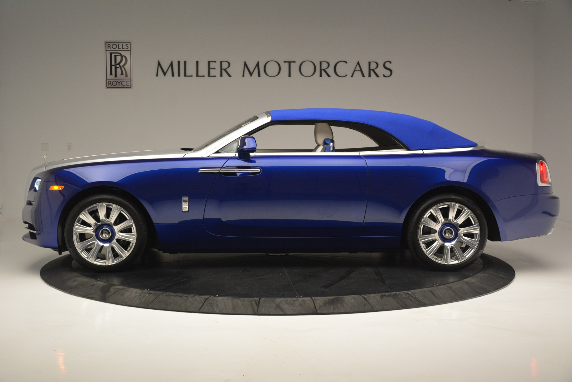 New 2019 Rolls-Royce Dawn  For Sale In Greenwich, CT 2533_p10