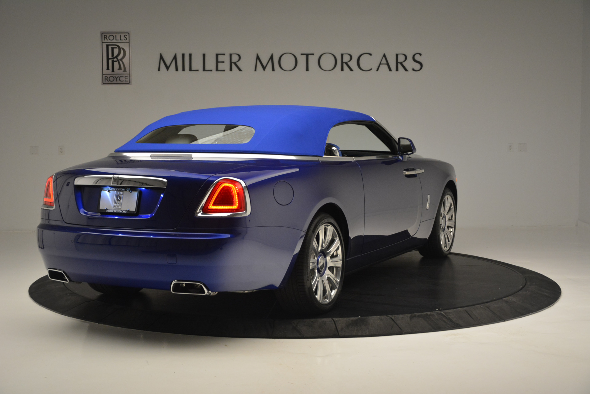 New 2019 Rolls-Royce Dawn  For Sale In Greenwich, CT 2533_p13