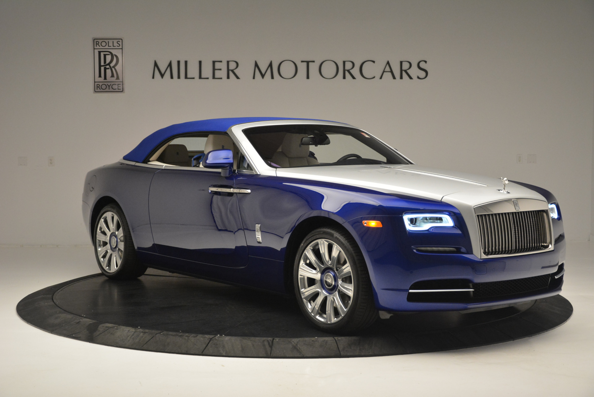 New 2019 Rolls-Royce Dawn  For Sale In Greenwich, CT 2533_p15