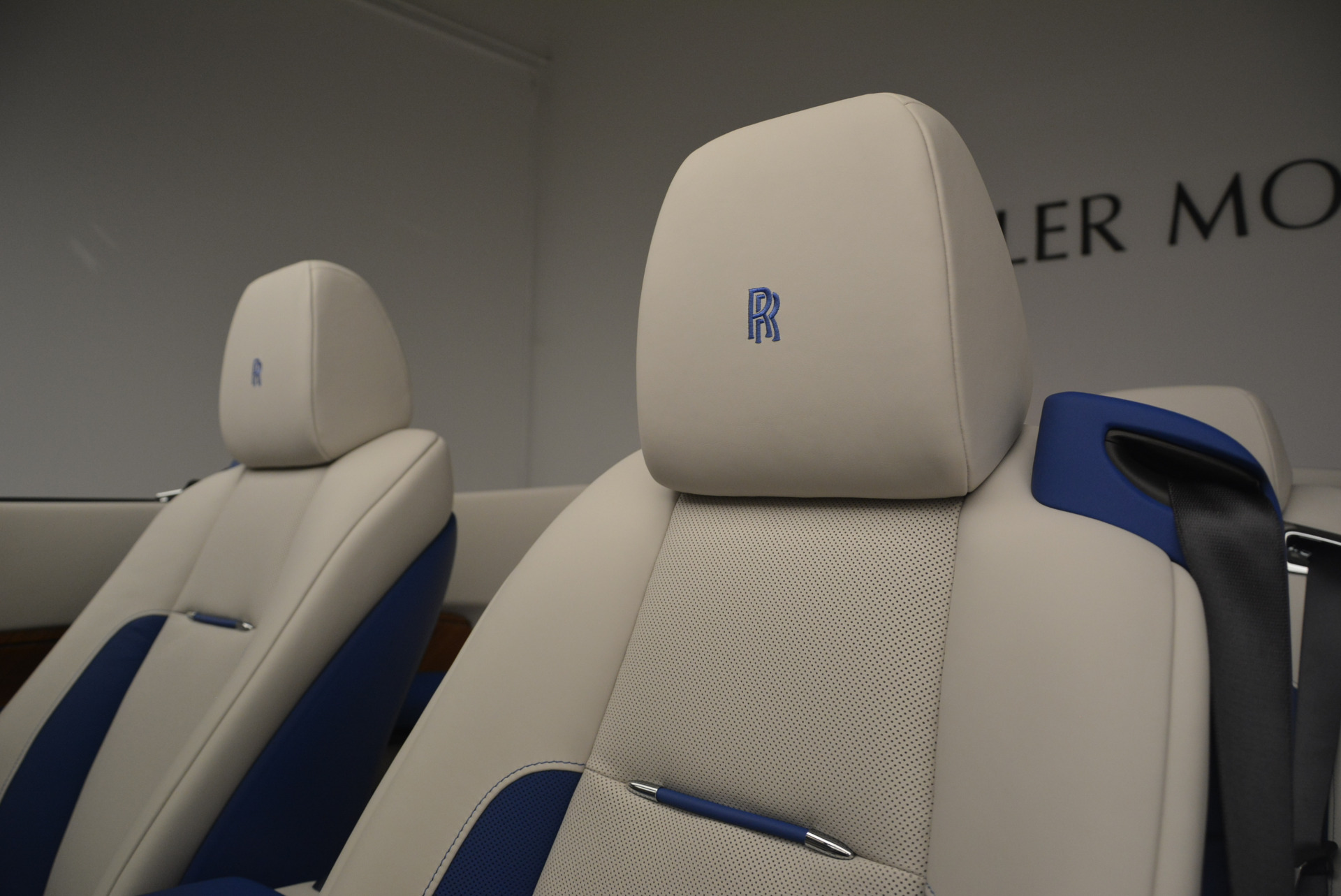 New 2019 Rolls-Royce Dawn  For Sale In Greenwich, CT 2533_p18