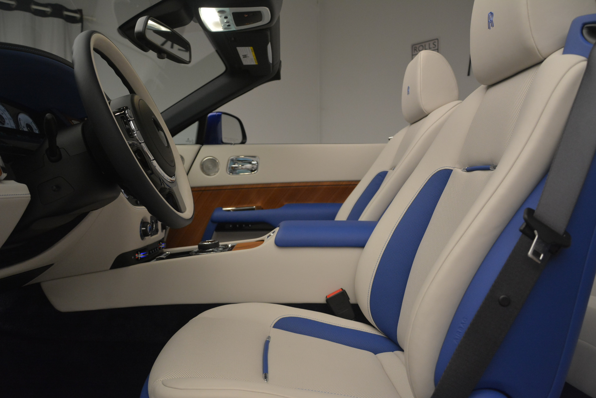 New 2019 Rolls-Royce Dawn  For Sale In Greenwich, CT 2533_p19