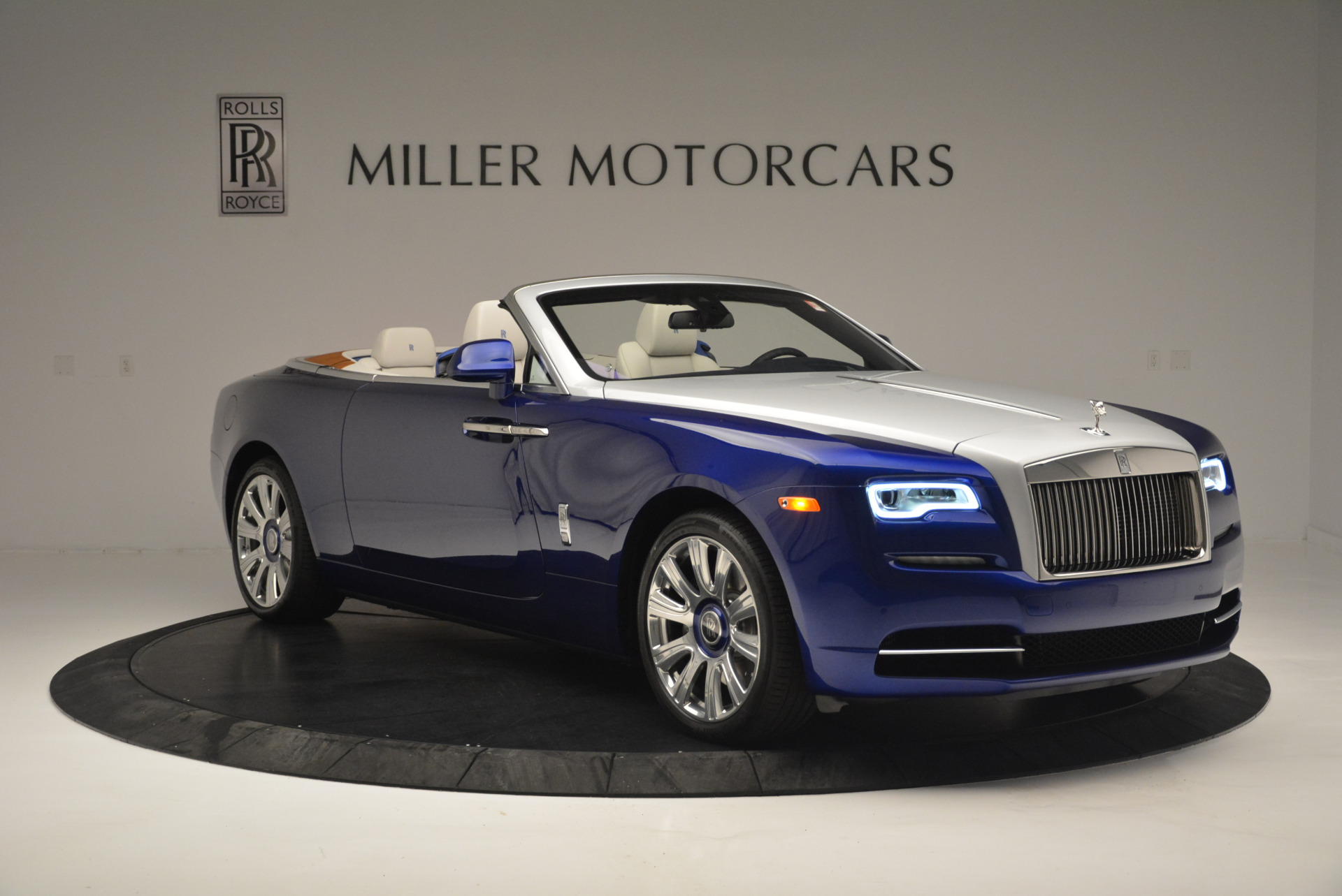 New 2019 Rolls-Royce Dawn  For Sale In Greenwich, CT 2533_p7