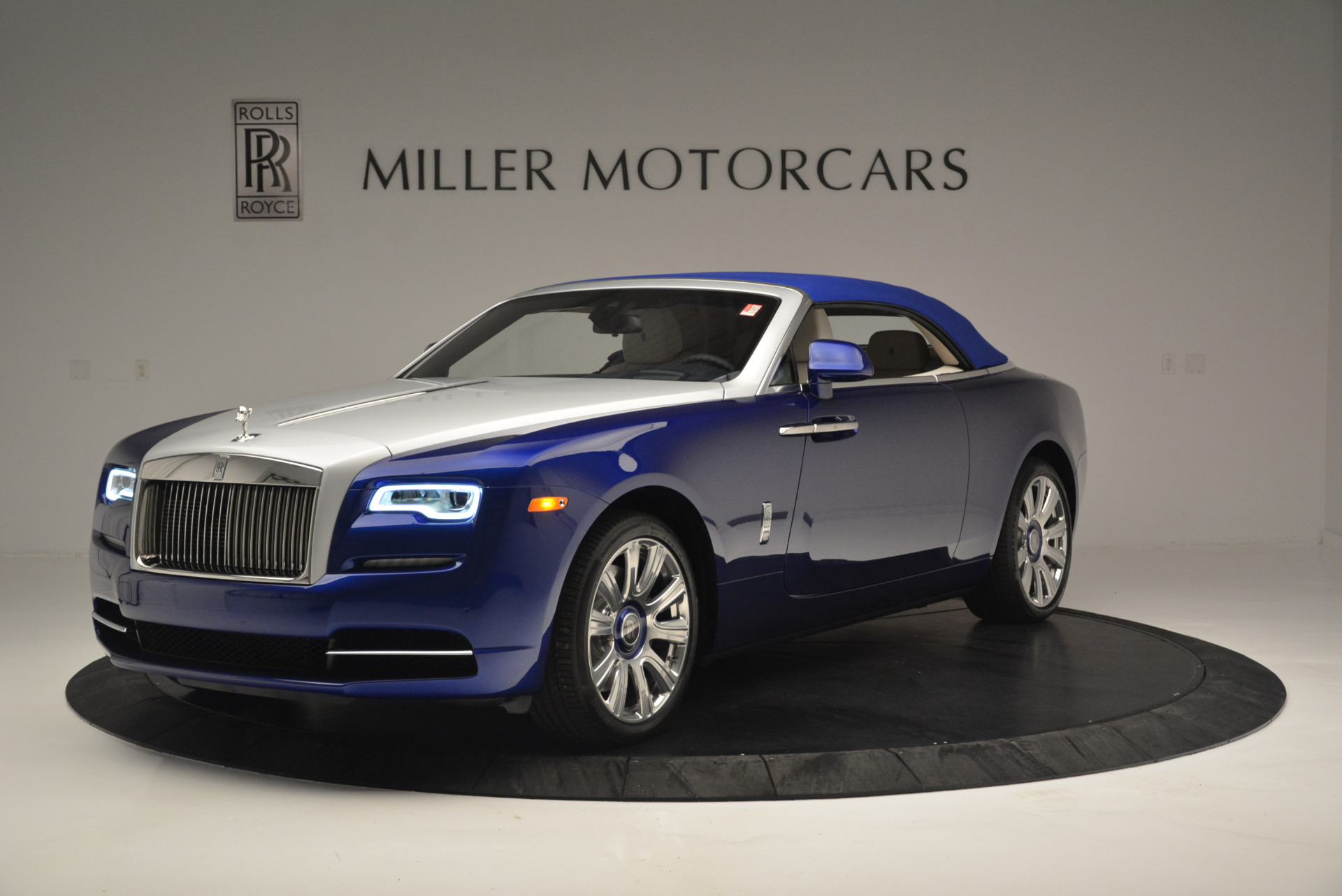 New 2019 Rolls-Royce Dawn  For Sale In Greenwich, CT 2533_p9