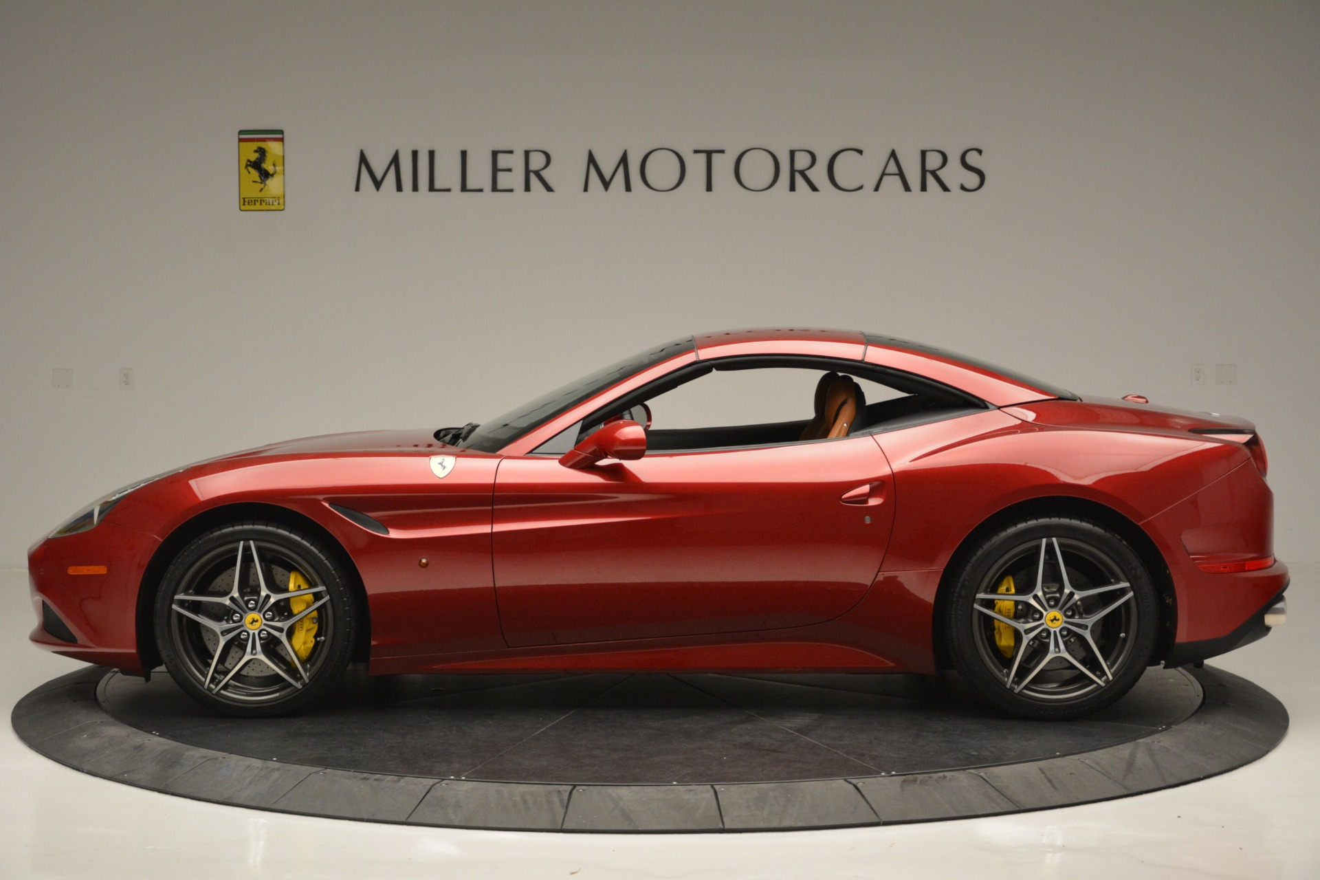 Used 2016 Ferrari California T  For Sale In Greenwich, CT 2534_p15