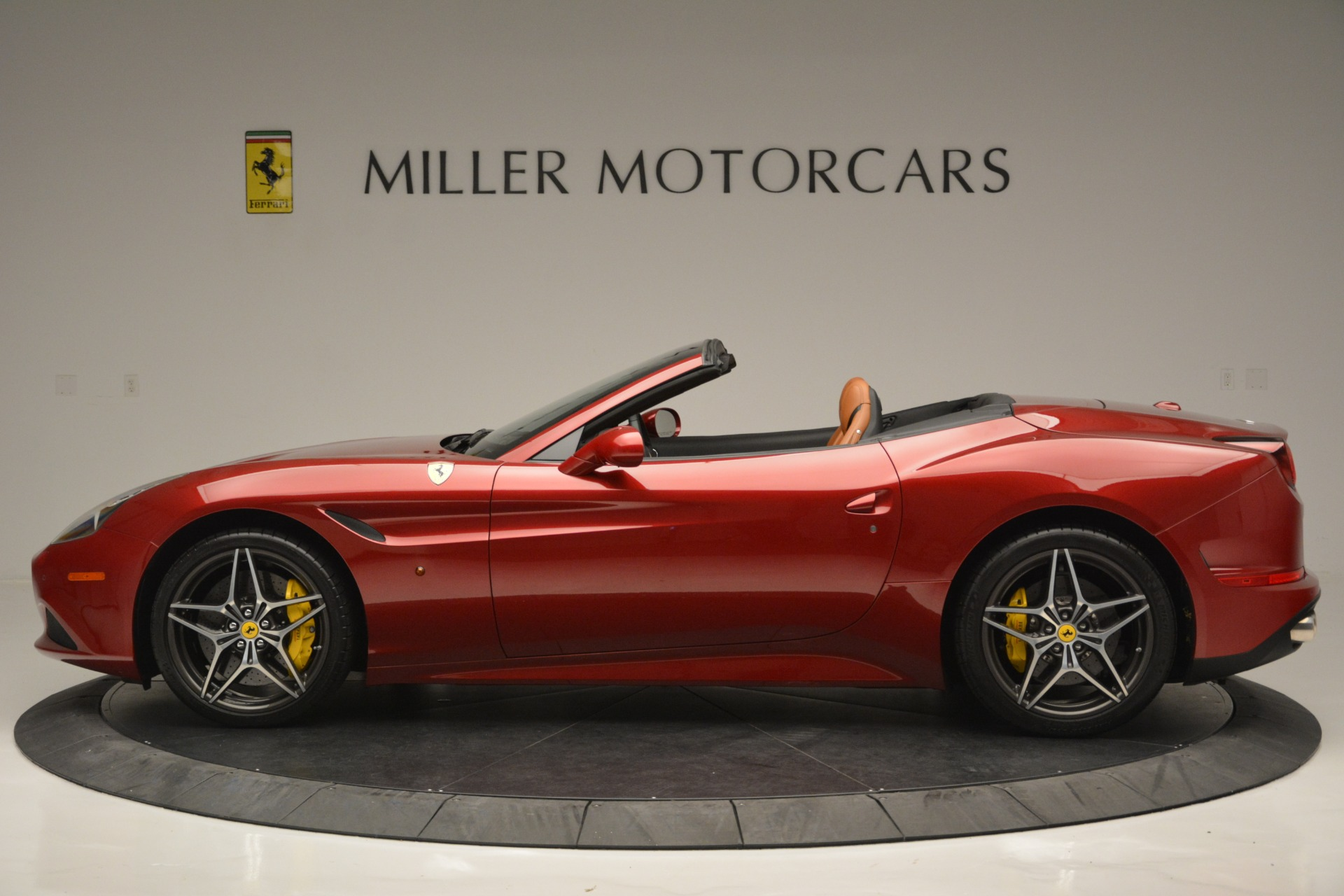 Used 2016 Ferrari California T  For Sale In Greenwich, CT 2534_p3