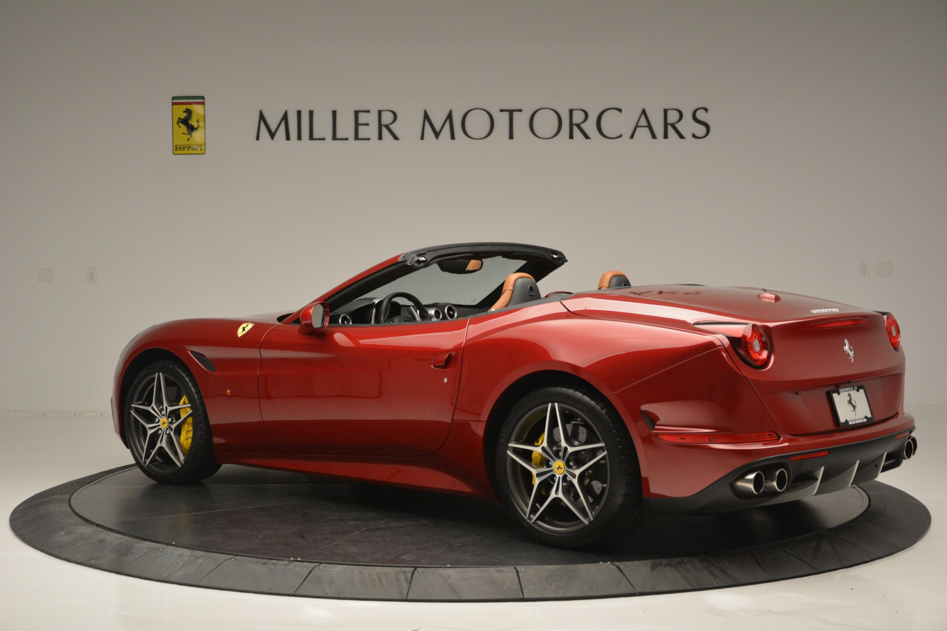Used 2016 Ferrari California T  For Sale In Greenwich, CT 2534_p4