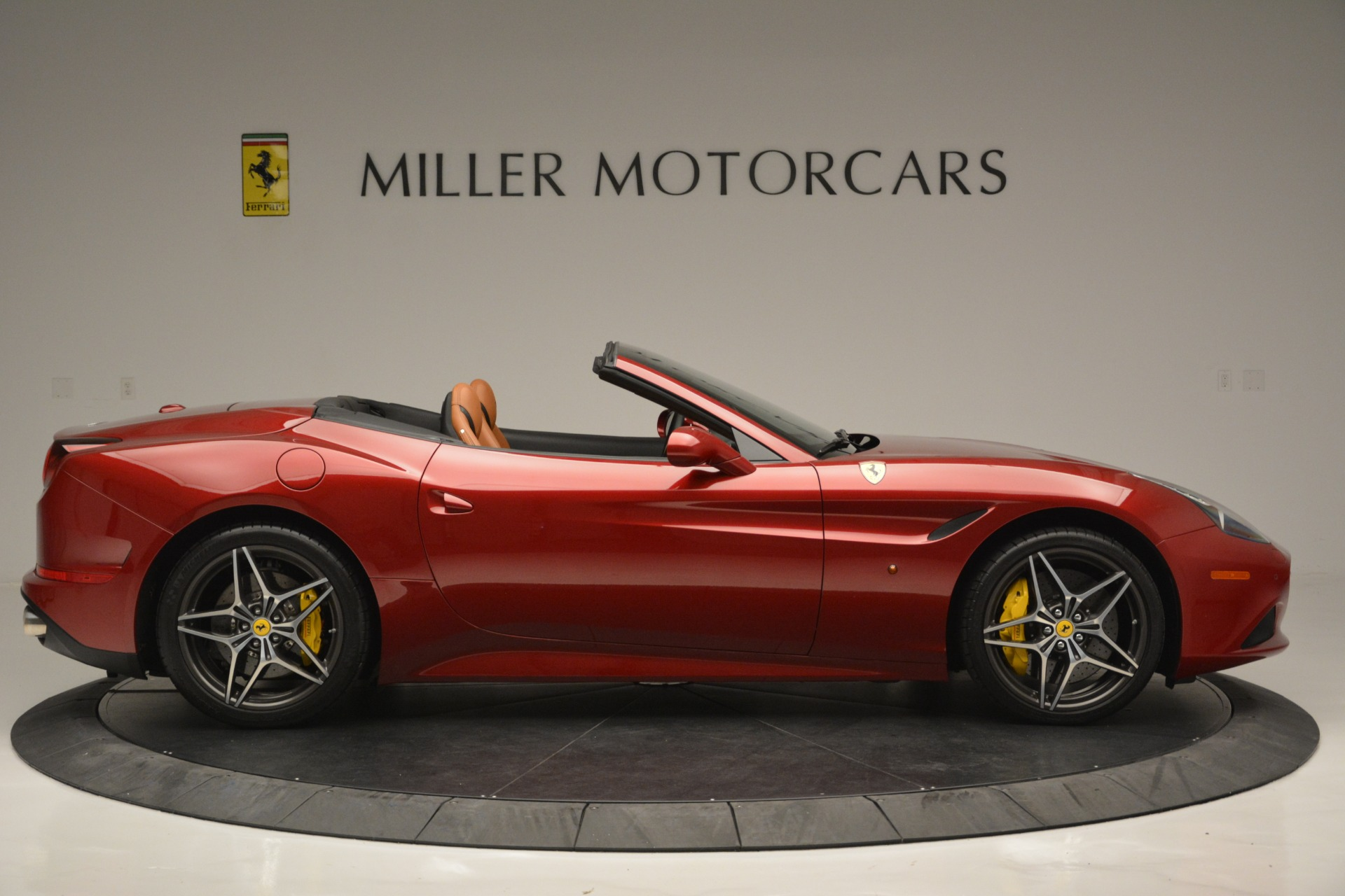 Used 2016 Ferrari California T  For Sale In Greenwich, CT 2534_p9
