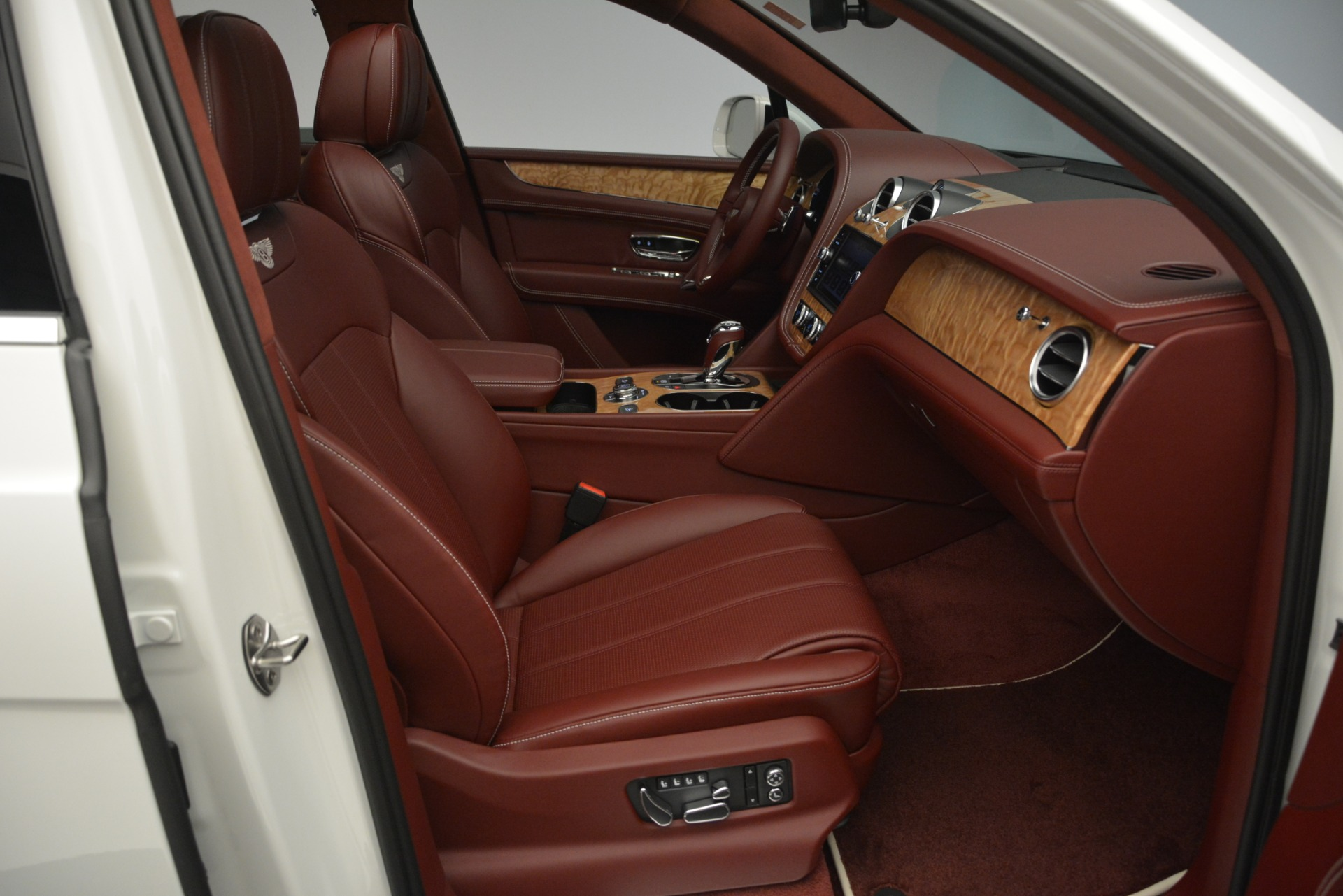 New 2019 Bentley Bentayga V8 For Sale In Greenwich, CT 2535_p27