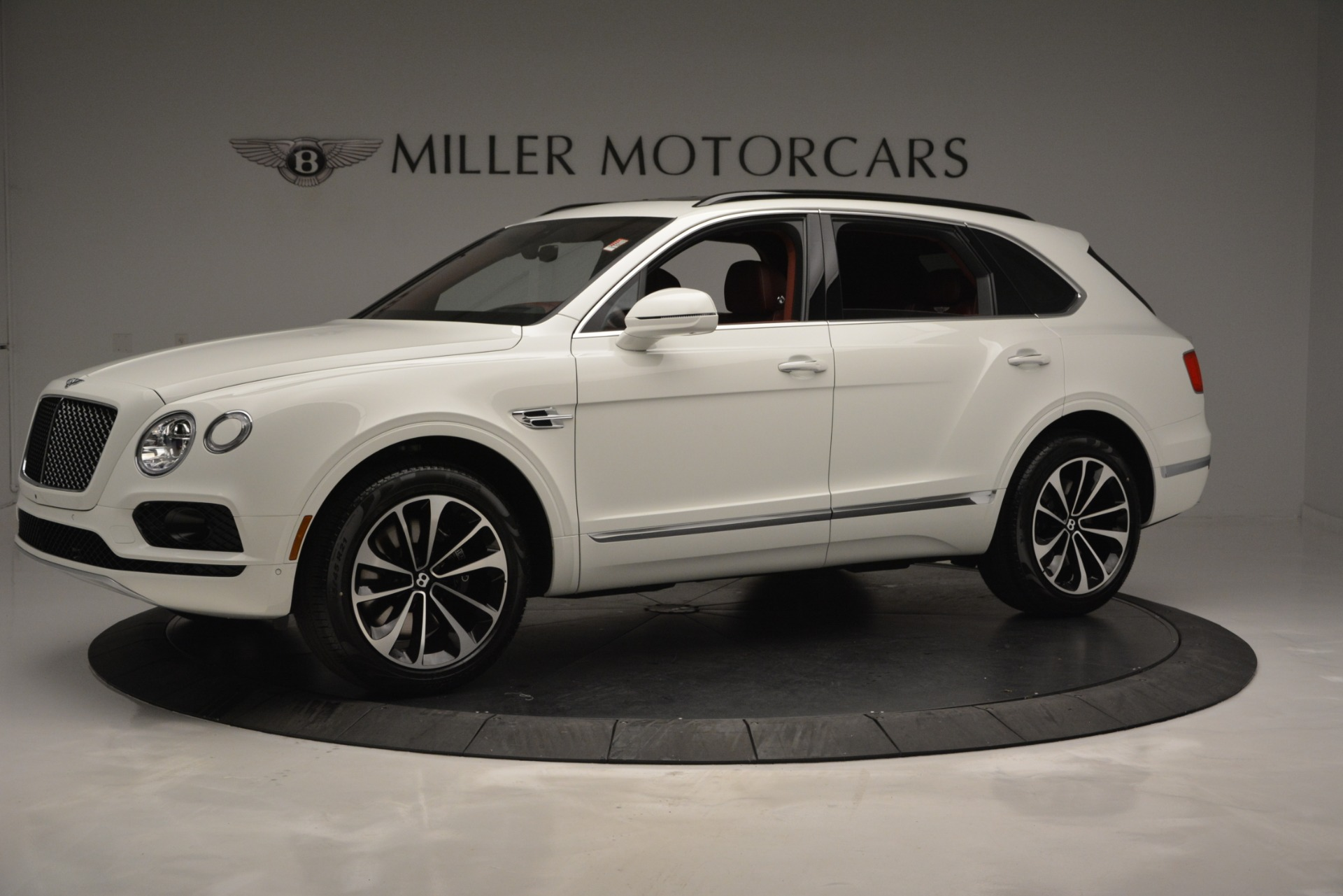New 2019 Bentley Bentayga V8 For Sale In Greenwich, CT 2535_p2