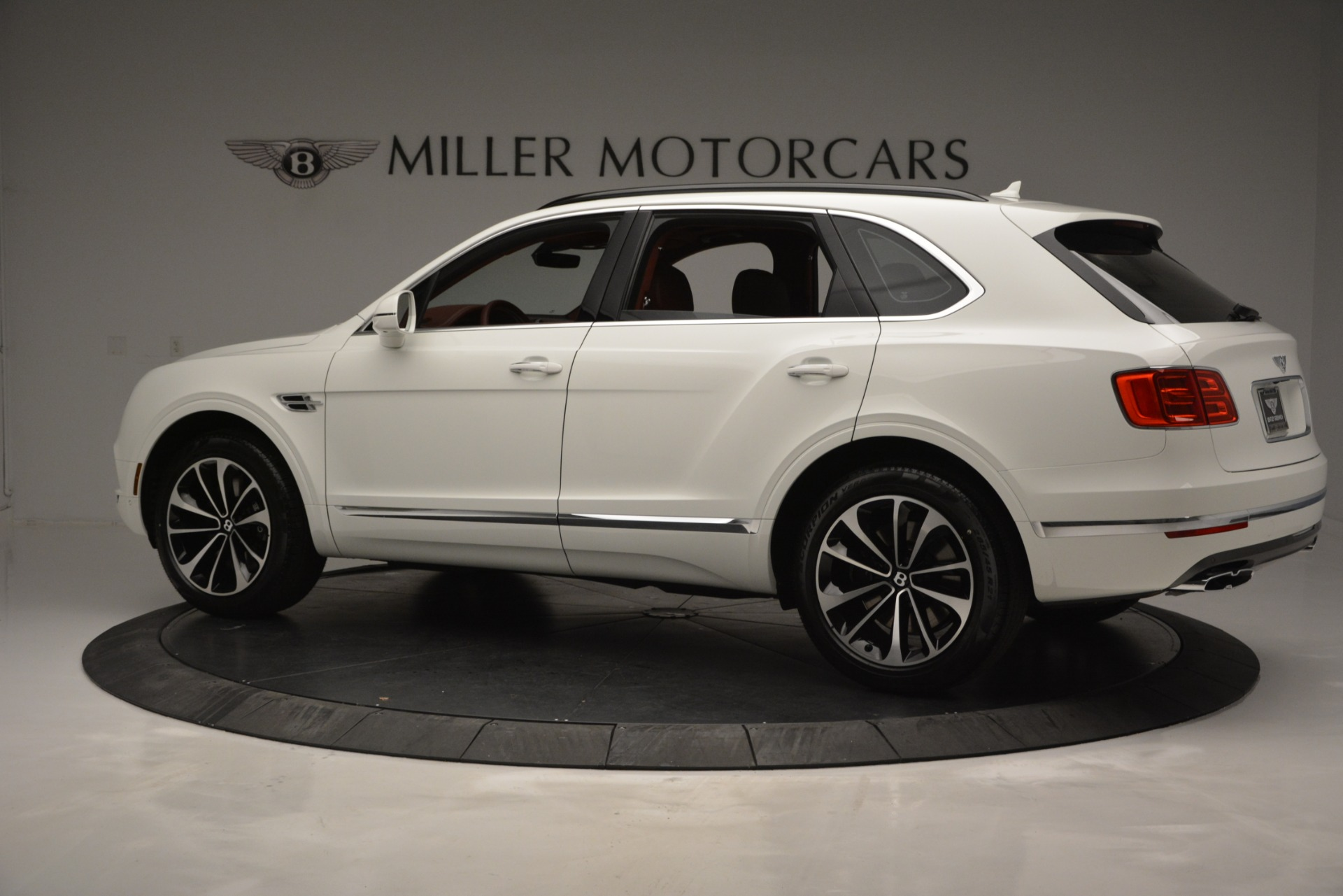 New 2019 Bentley Bentayga V8 For Sale In Greenwich, CT 2535_p4