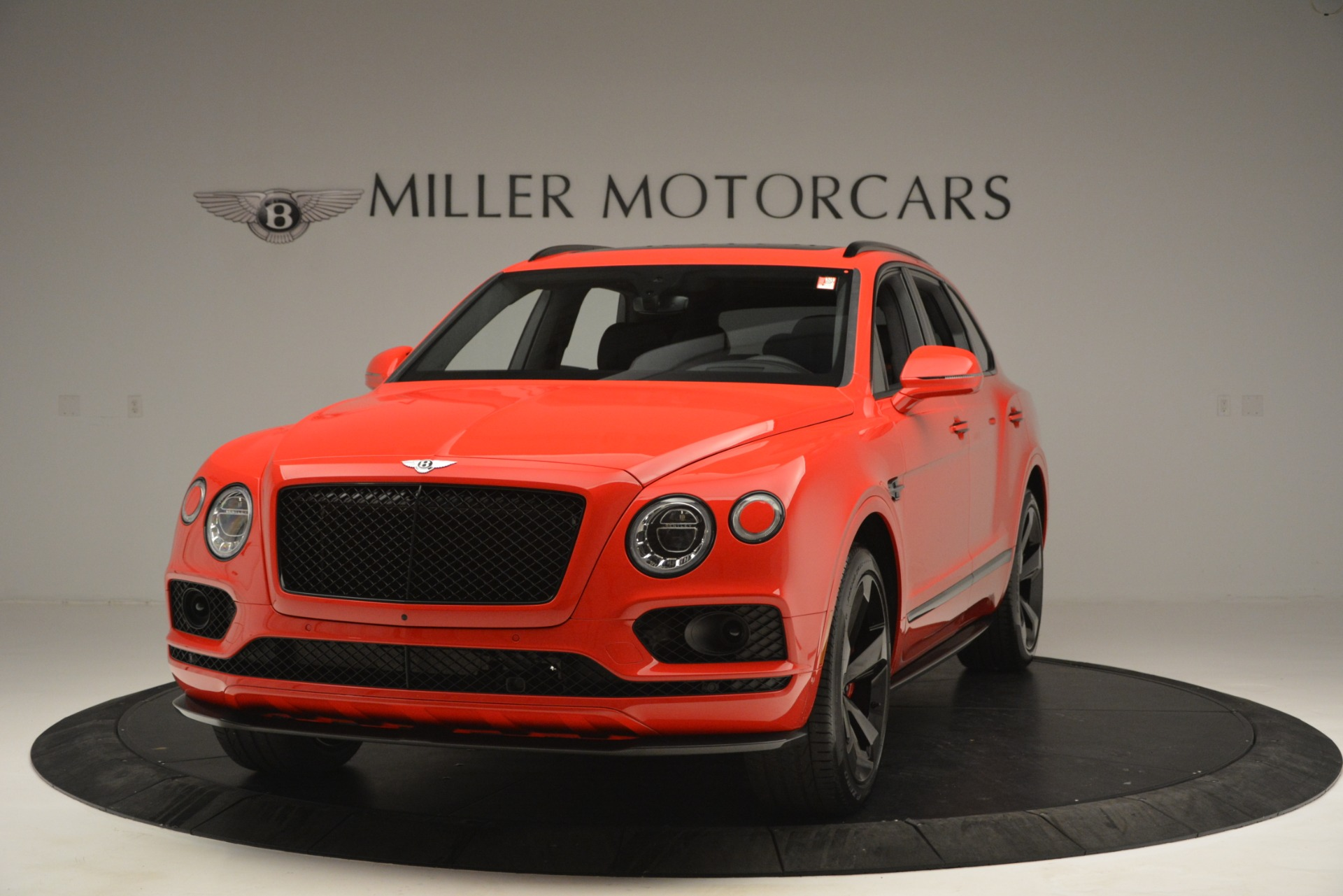 New 2019 BENTLEY Bentayga V8 For Sale In Greenwich, CT 2536_main