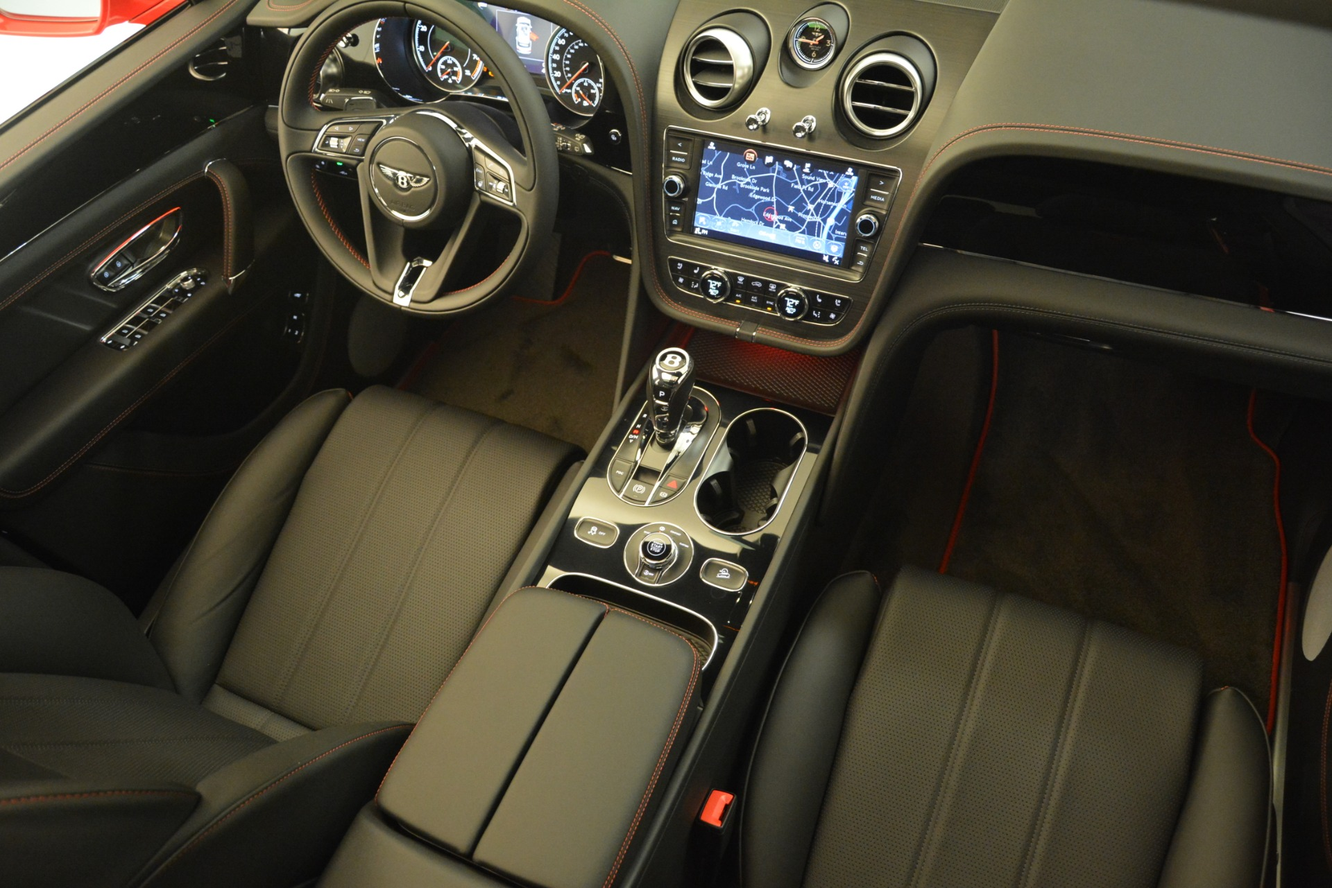New 2019 BENTLEY Bentayga V8 For Sale In Greenwich, CT 2536_p30