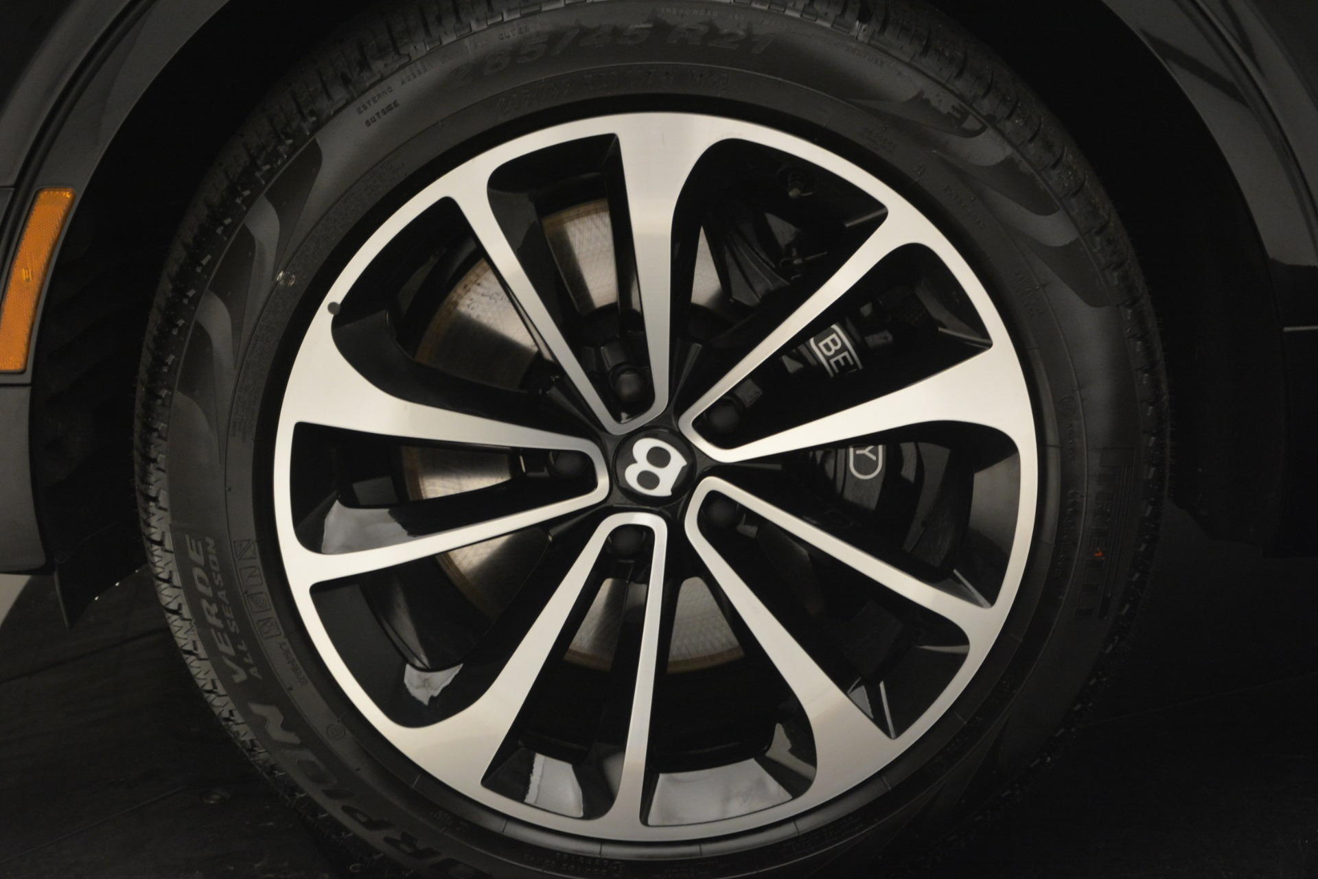New 2019 Bentley Bentayga V8 For Sale In Greenwich, CT 2537_p15