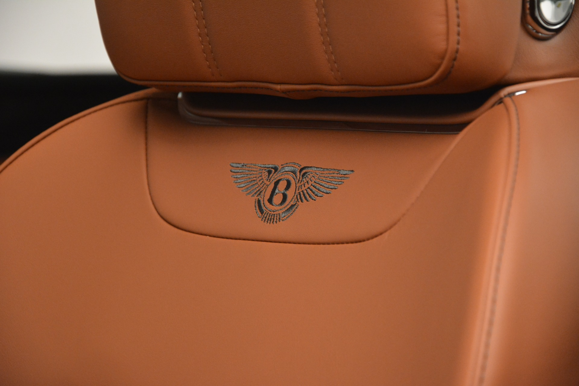 New 2019 Bentley Bentayga V8 For Sale In Greenwich, CT 2537_p19