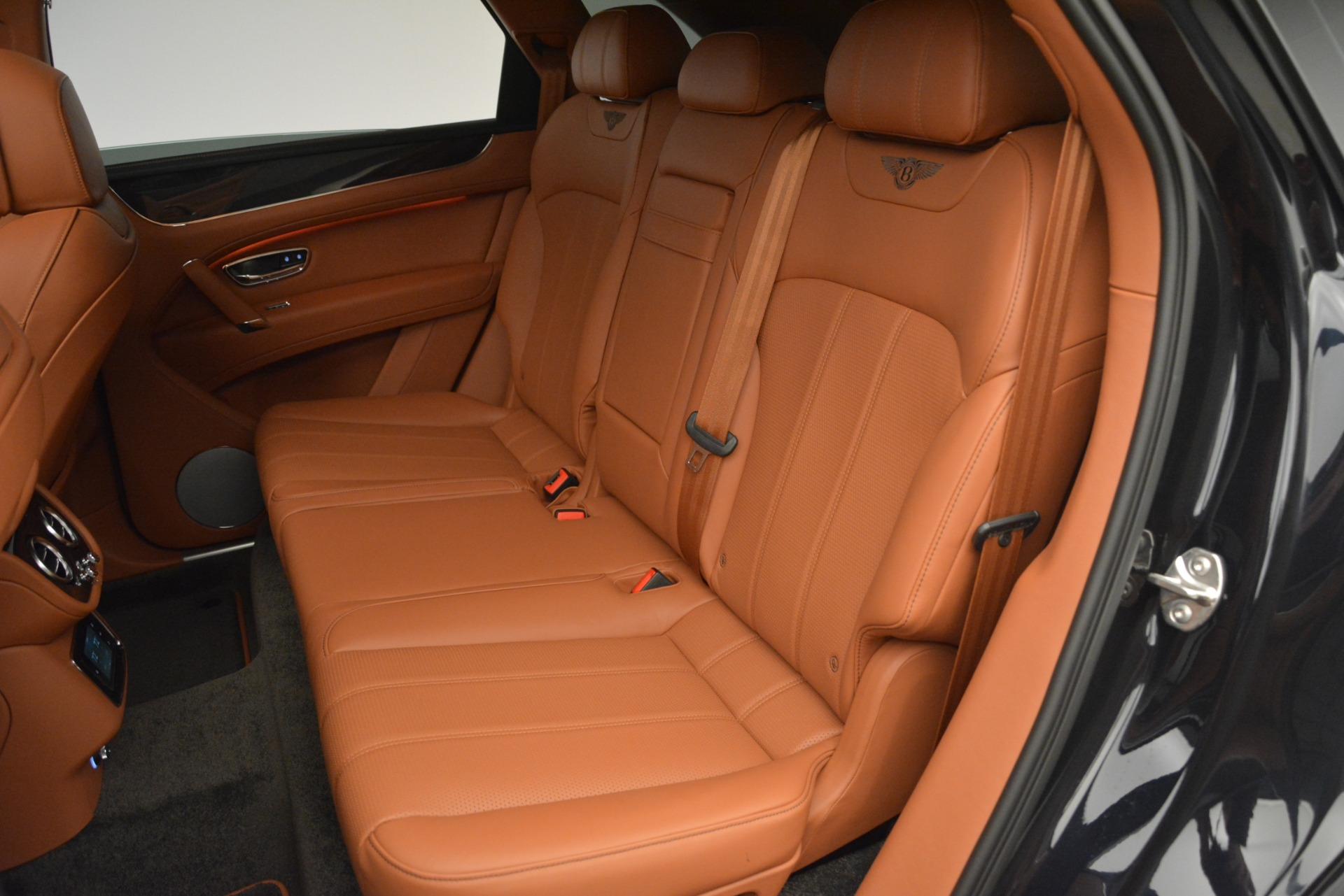 New 2019 Bentley Bentayga V8 For Sale In Greenwich, CT 2537_p23