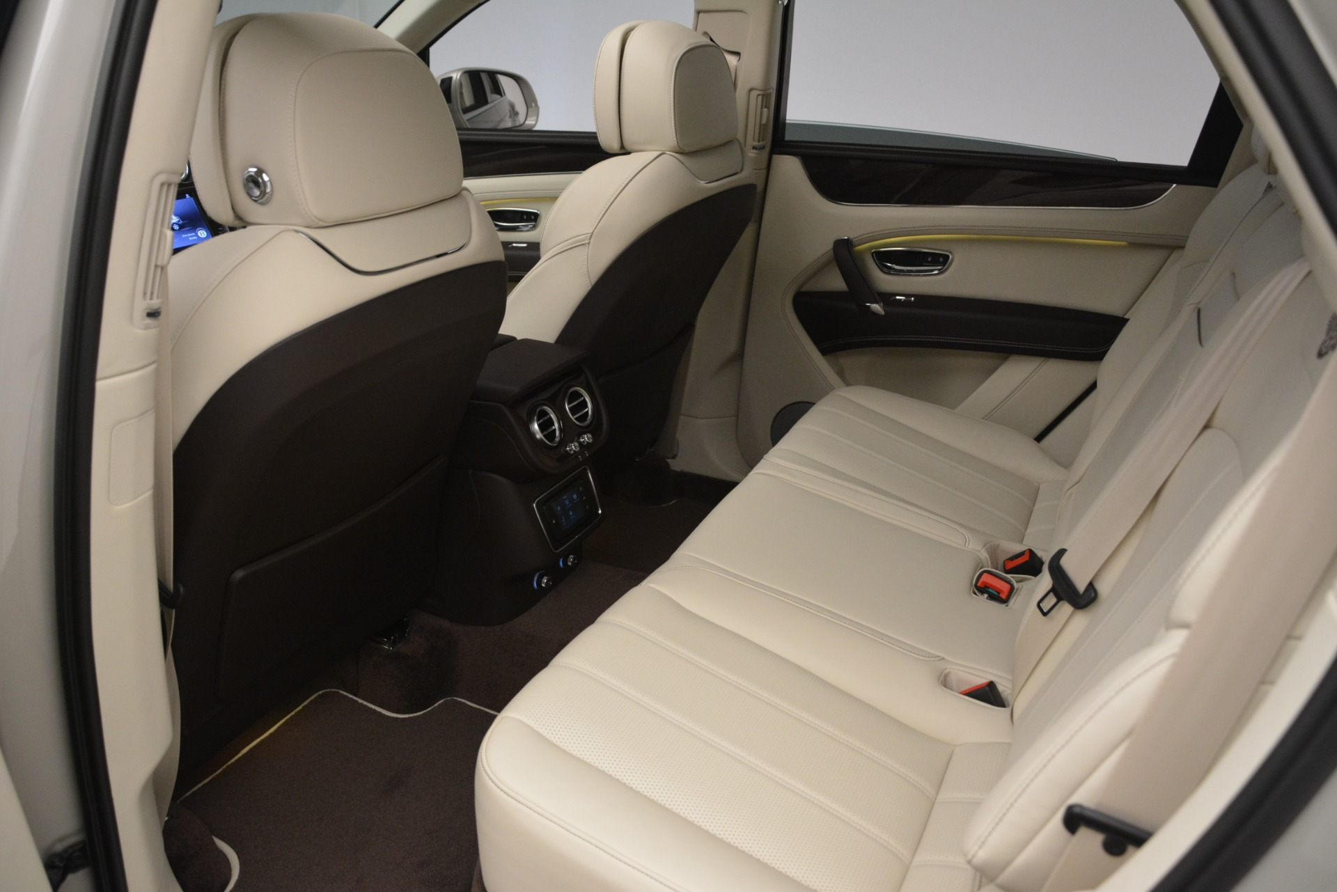 New 2019 Bentley Bentayga V8 For Sale In Greenwich, CT 2538_p23