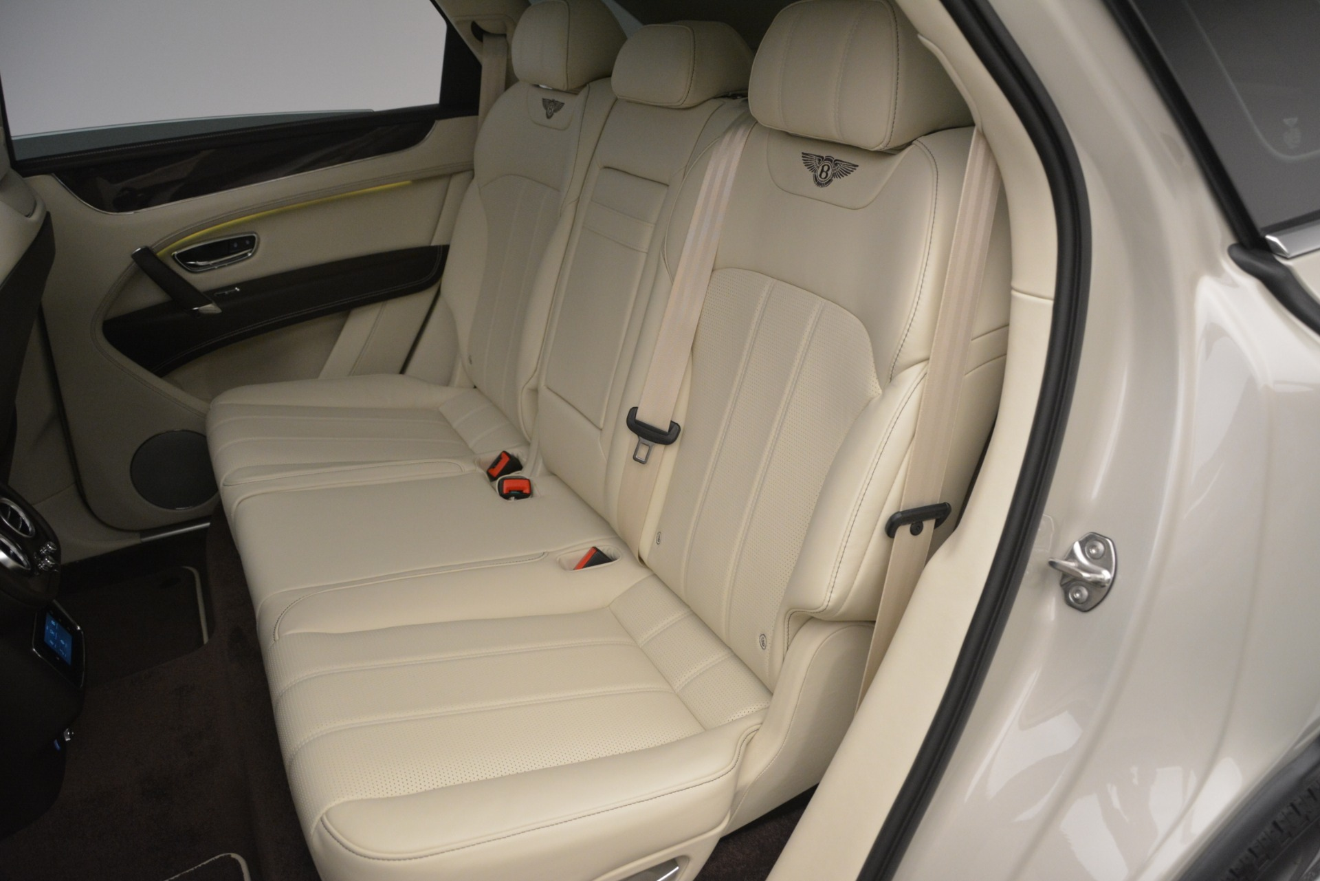 New 2019 Bentley Bentayga V8 For Sale In Greenwich, CT 2538_p24