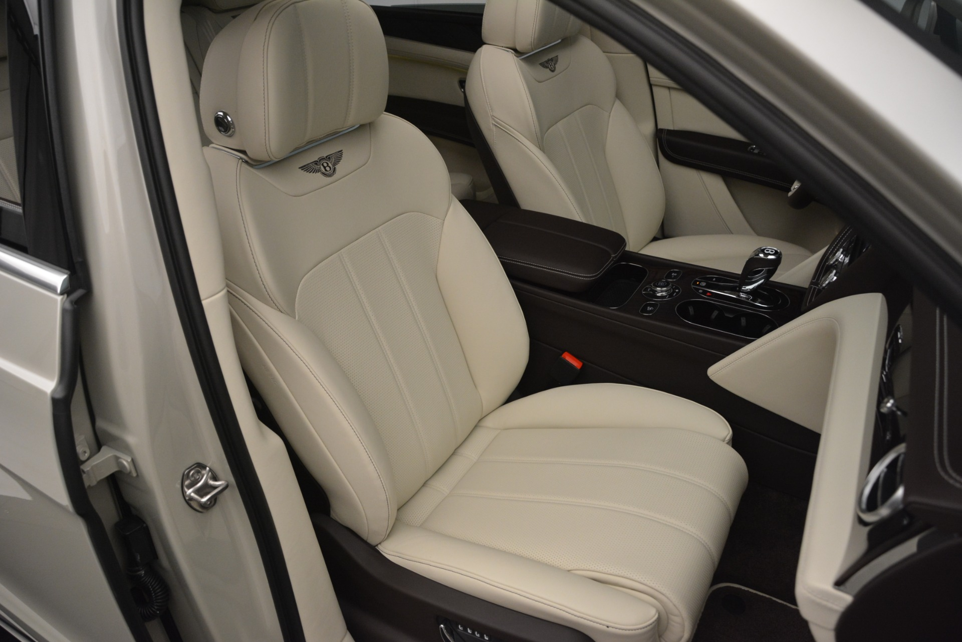 New 2019 Bentley Bentayga V8 For Sale In Greenwich, CT 2538_p27