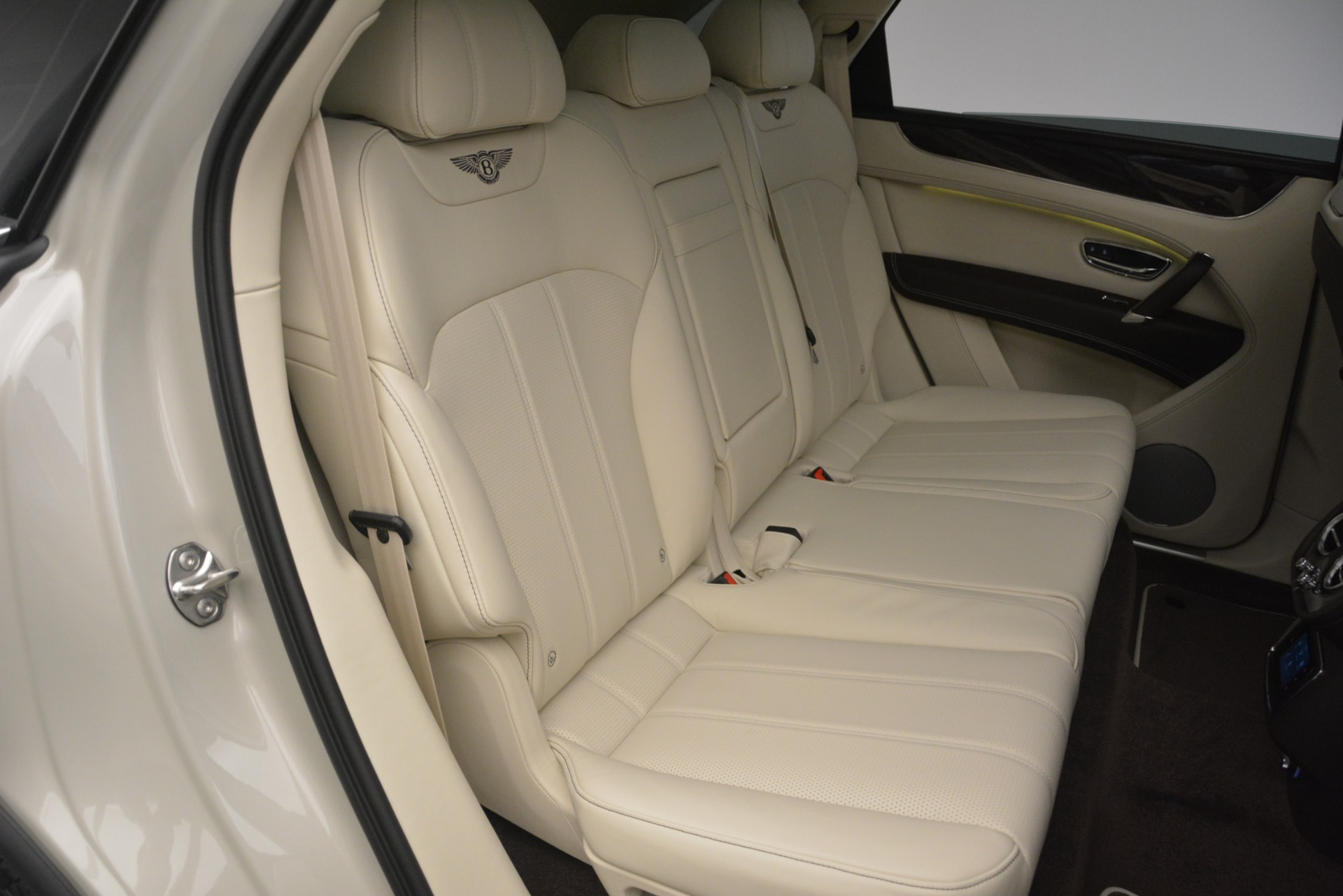 New 2019 Bentley Bentayga V8 For Sale In Greenwich, CT 2538_p29