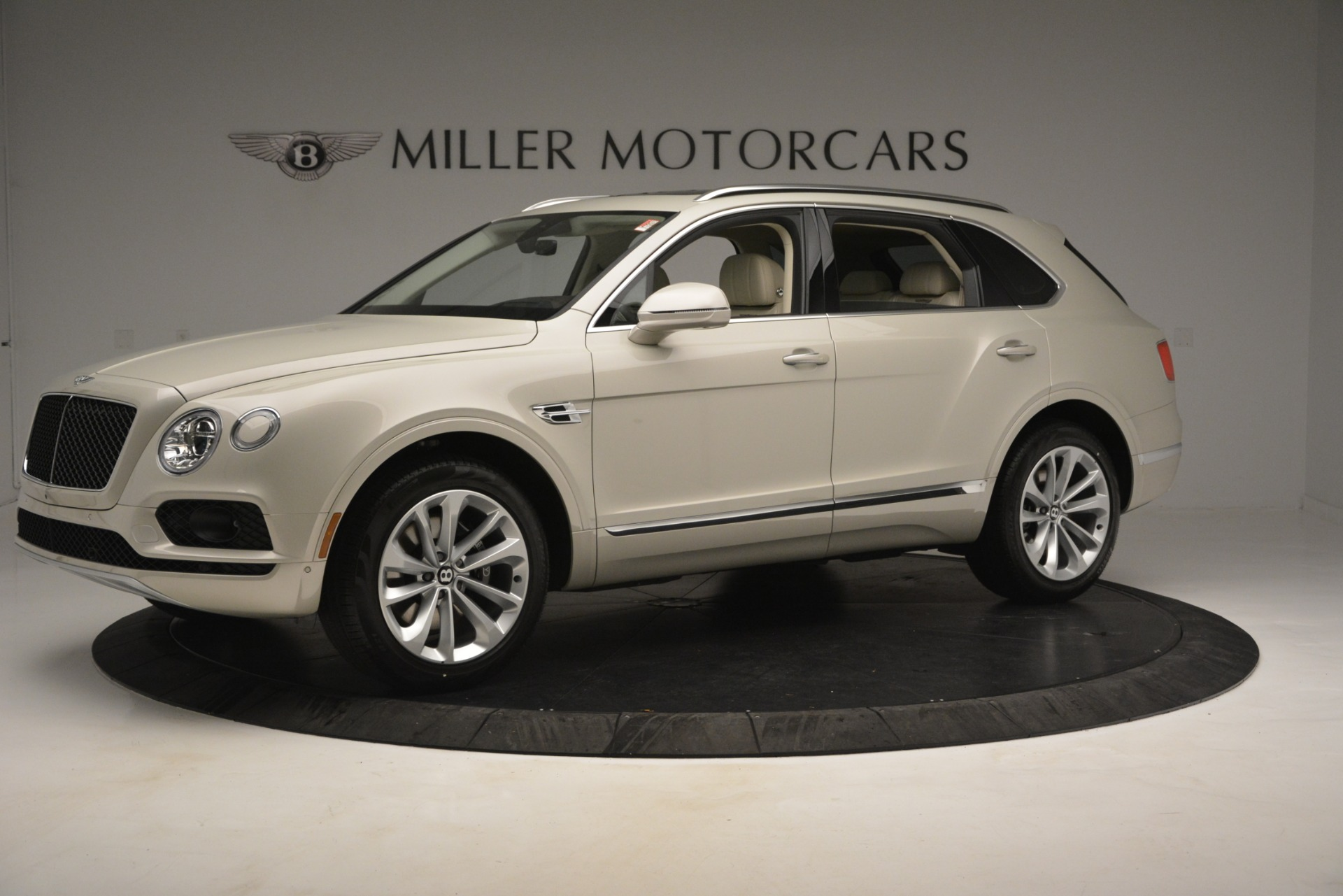 New 2019 Bentley Bentayga V8 For Sale In Greenwich, CT 2538_p2