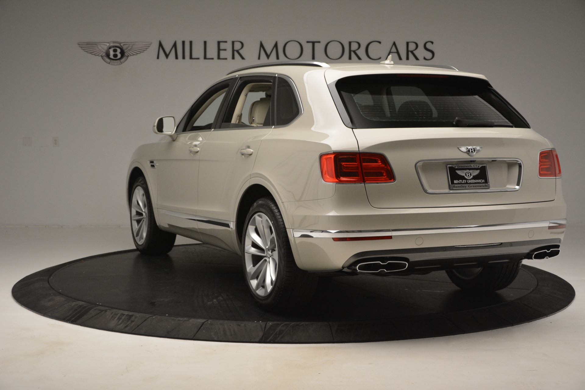 New 2019 Bentley Bentayga V8 For Sale In Greenwich, CT 2538_p5