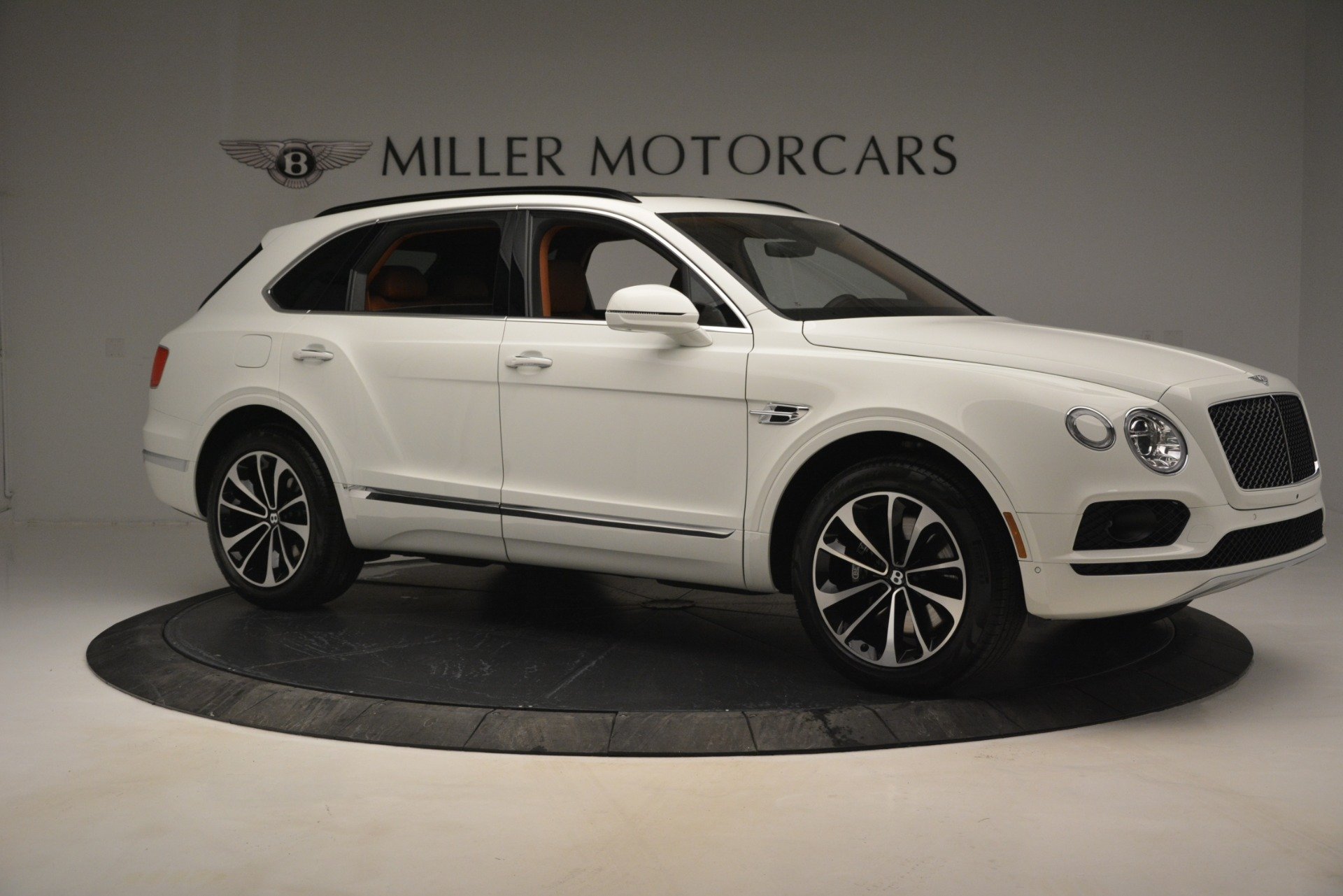 New 2019 Bentley Bentayga V8 For Sale In Greenwich, CT 2539_p10