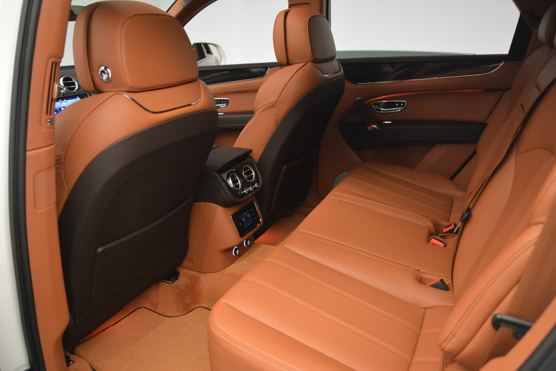 New 2019 Bentley Bentayga V8 For Sale In Greenwich, CT 2539_p21