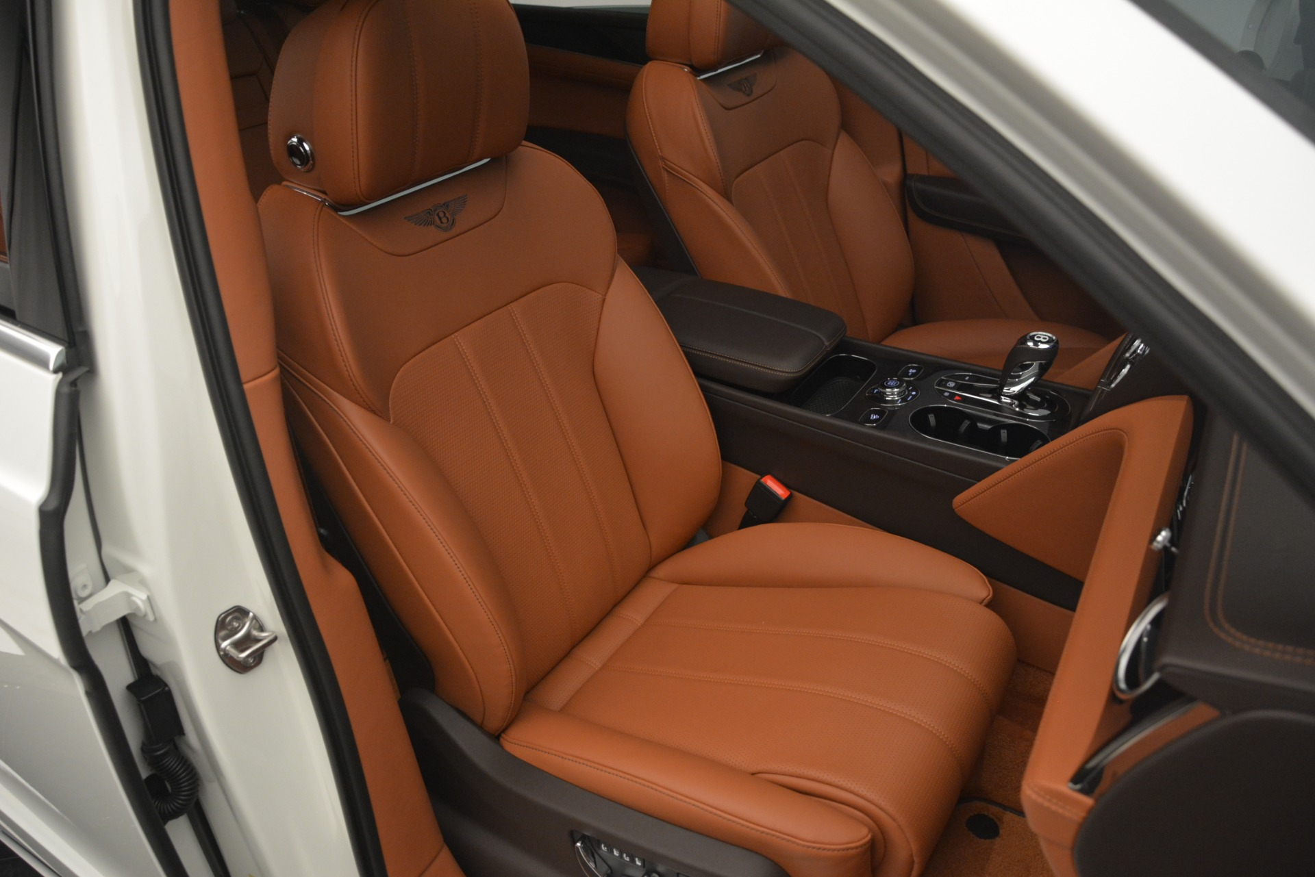 New 2019 Bentley Bentayga V8 For Sale In Greenwich, CT 2539_p29