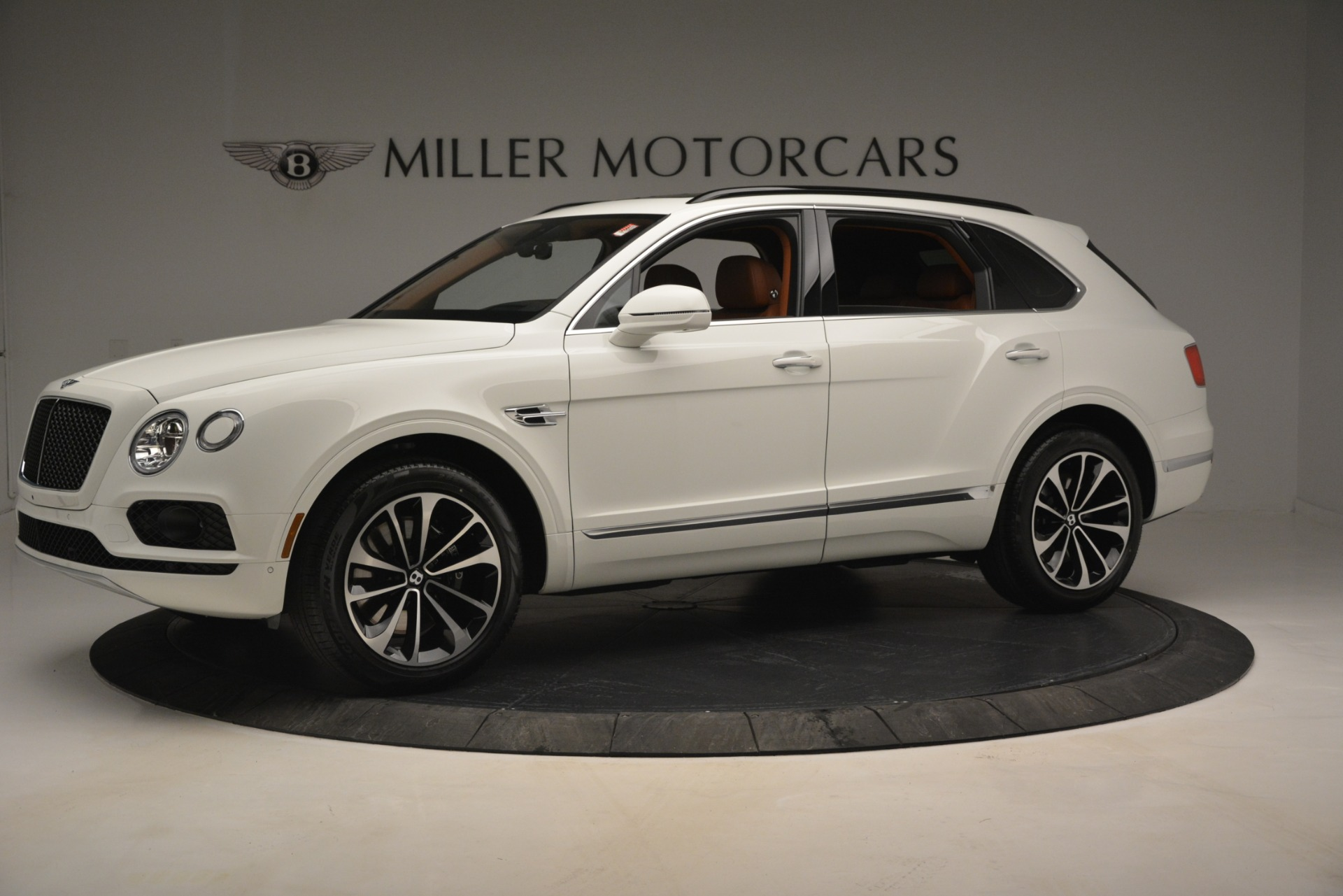 New 2019 Bentley Bentayga V8 For Sale In Greenwich, CT 2539_p2