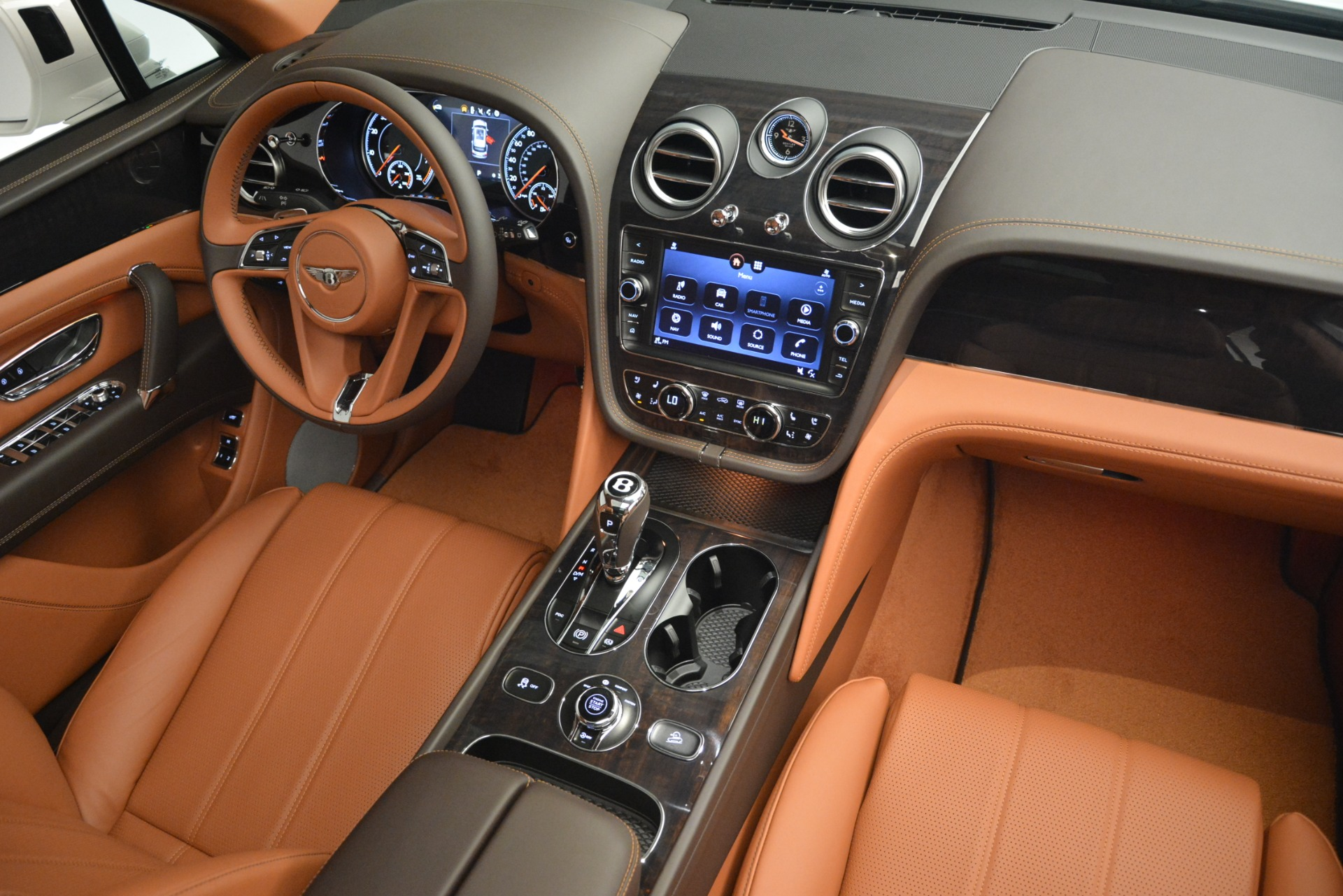New 2019 Bentley Bentayga V8 For Sale In Greenwich, CT 2539_p30