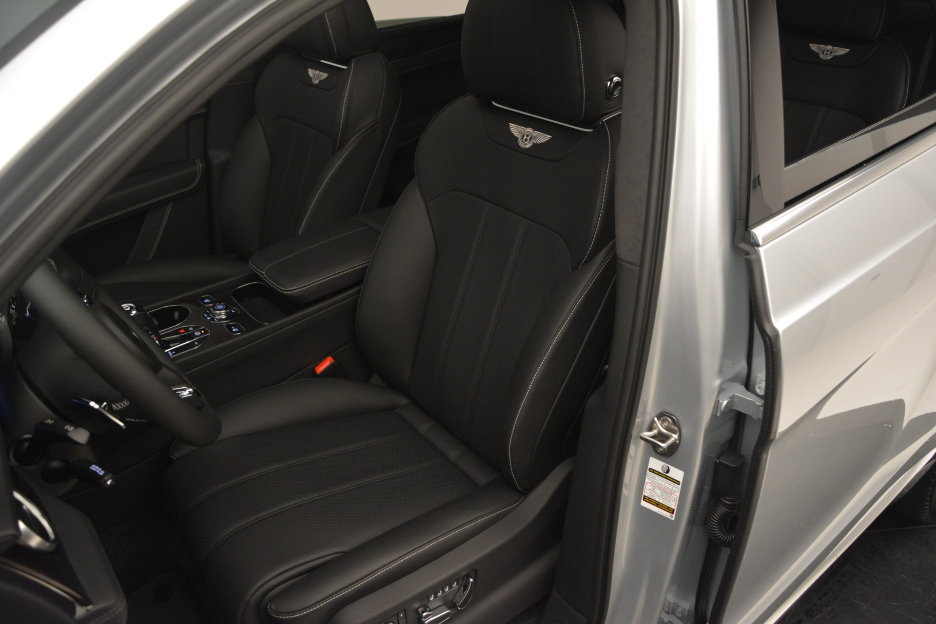 New 2019 Bentley Bentayga V8 For Sale In Greenwich, CT 2540_p19
