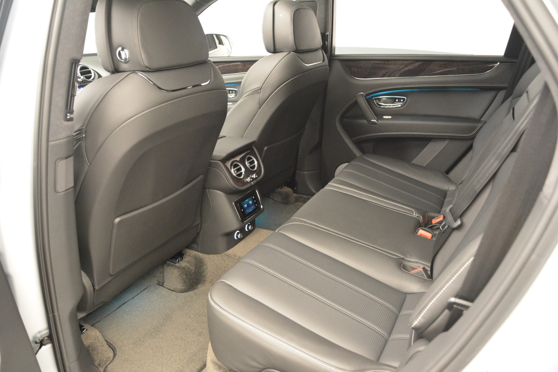 New 2019 Bentley Bentayga V8 For Sale In Greenwich, CT 2540_p24