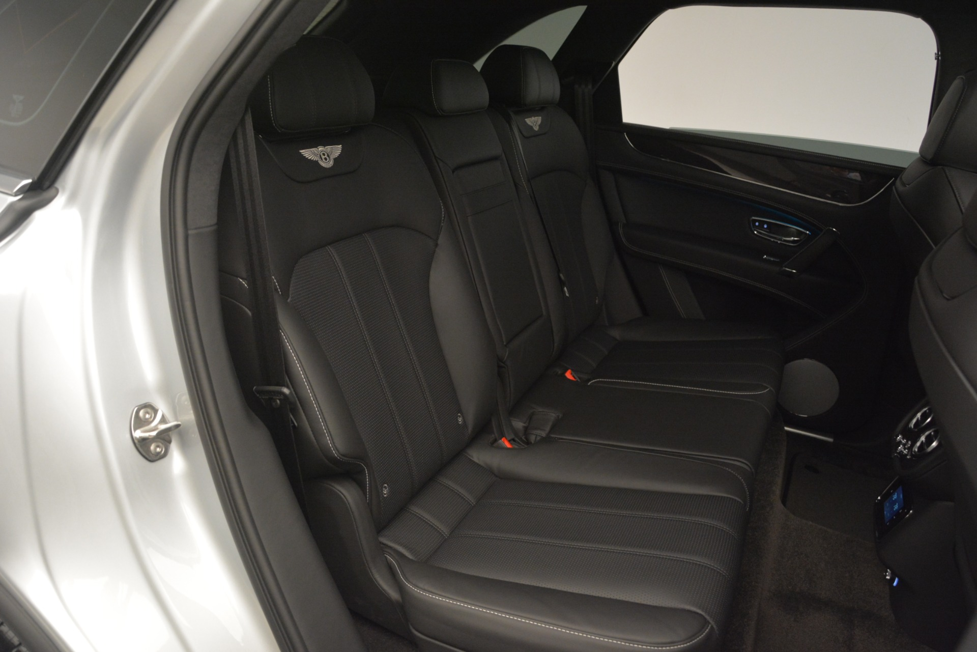 New 2019 Bentley Bentayga V8 For Sale In Greenwich, CT 2540_p29