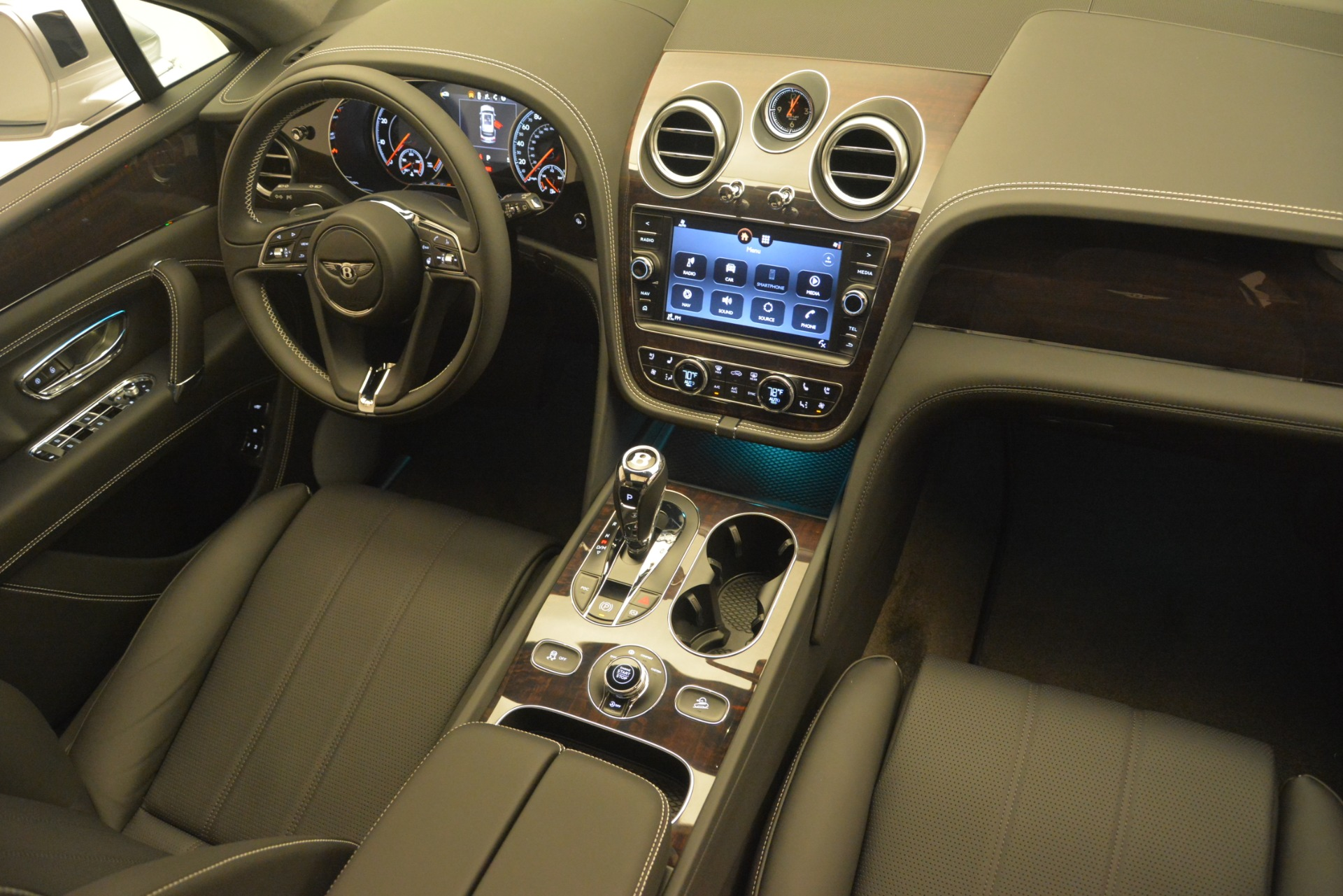 New 2019 Bentley Bentayga V8 For Sale In Greenwich, CT 2540_p30
