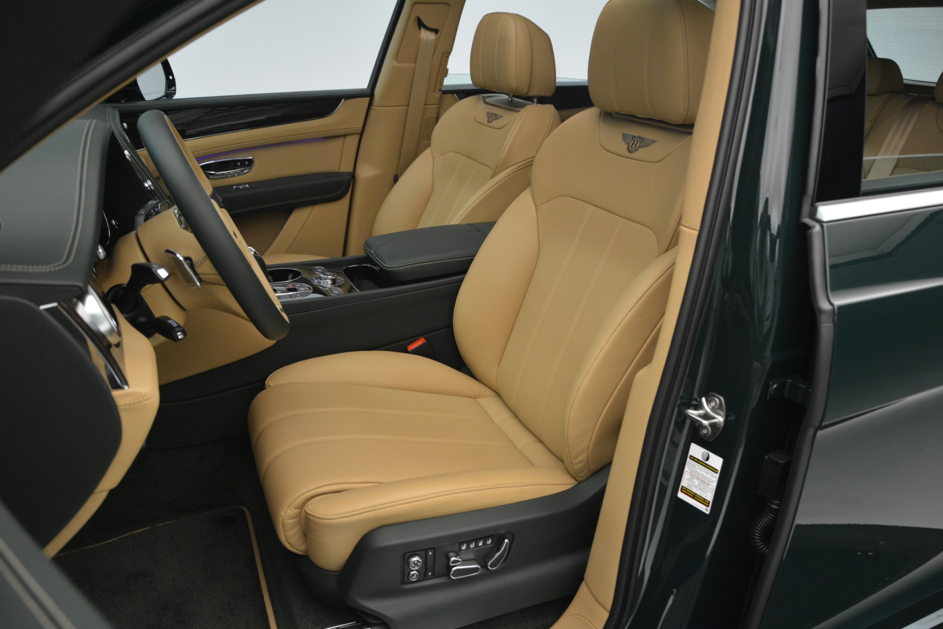 New 2019 Bentley Bentayga V8 For Sale In Greenwich, CT 2541_p20