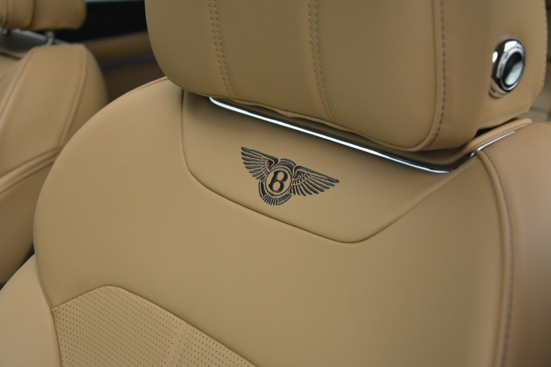 New 2019 Bentley Bentayga V8 For Sale In Greenwich, CT 2541_p22