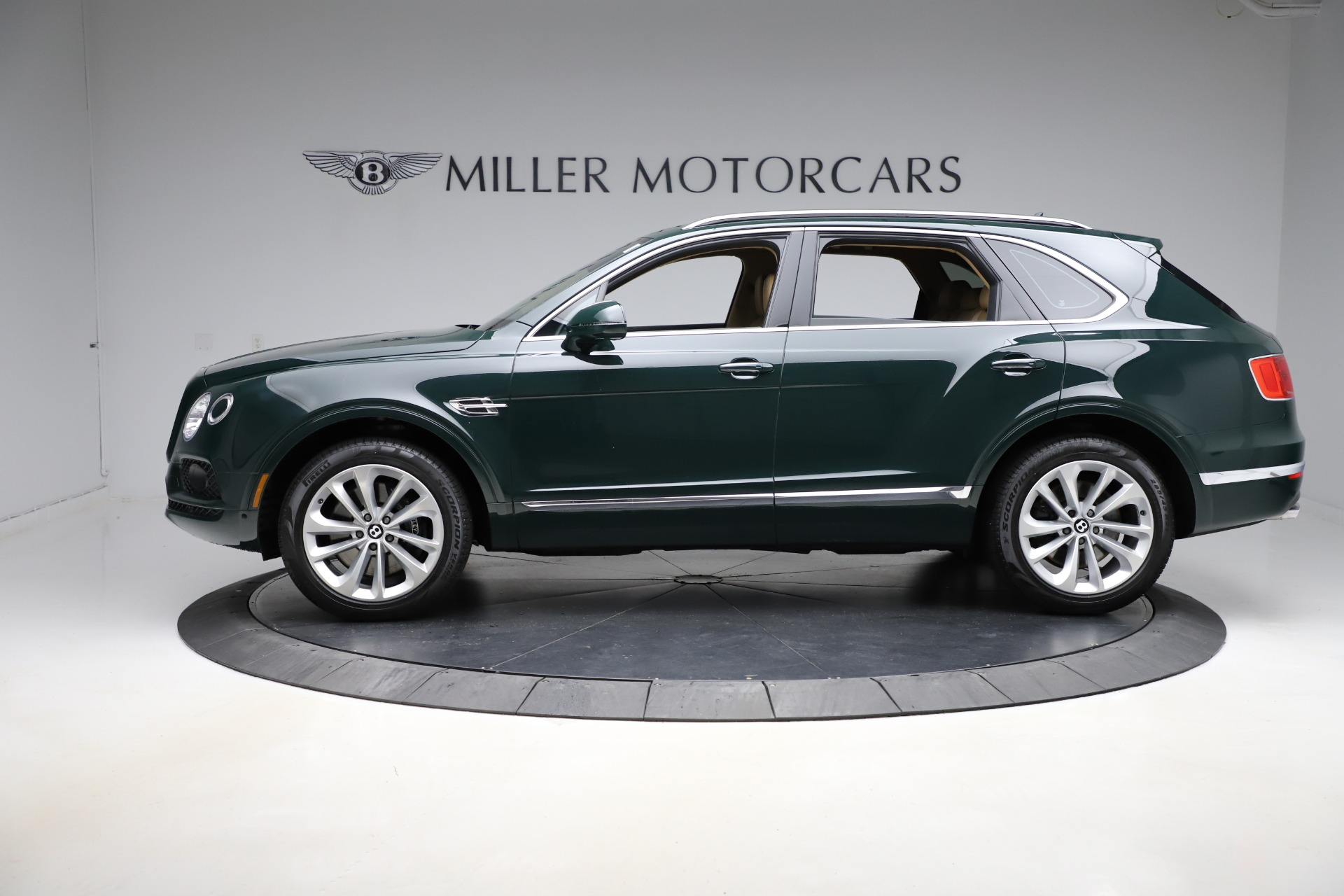 New 2019 Bentley Bentayga V8 For Sale In Greenwich, CT 2541_p3