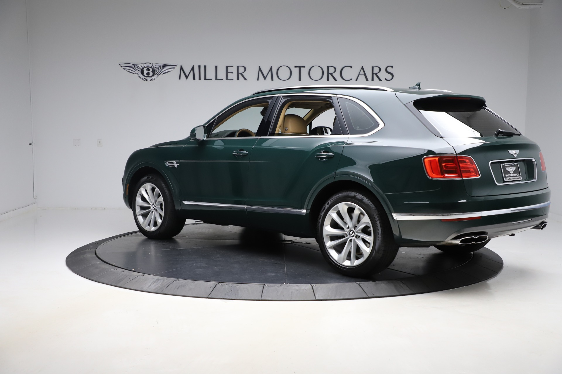 New 2019 Bentley Bentayga V8 For Sale In Greenwich, CT 2541_p4