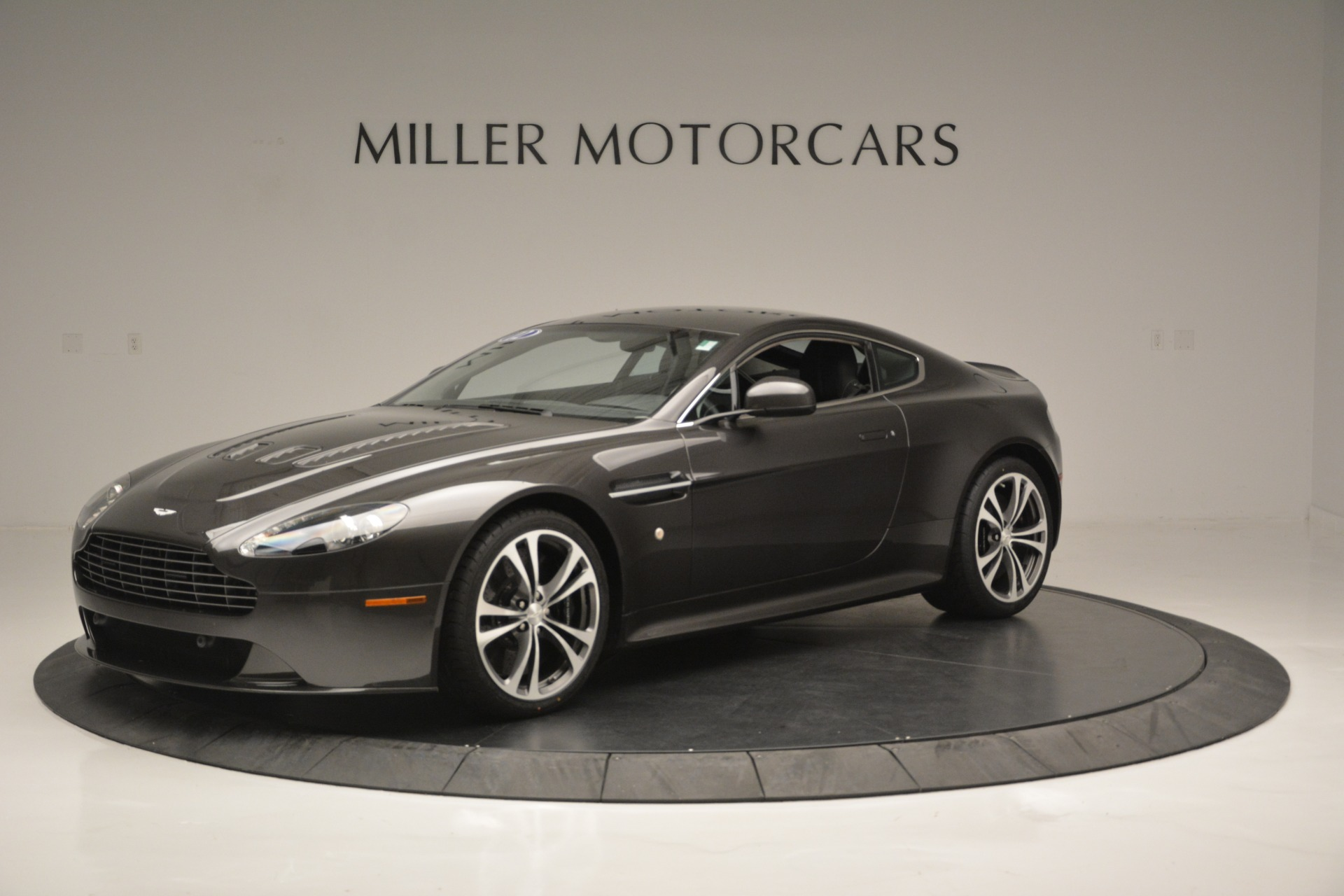 Used 2012 Aston Martin V12 Vantage Coupe For Sale In Greenwich, CT 2544_main