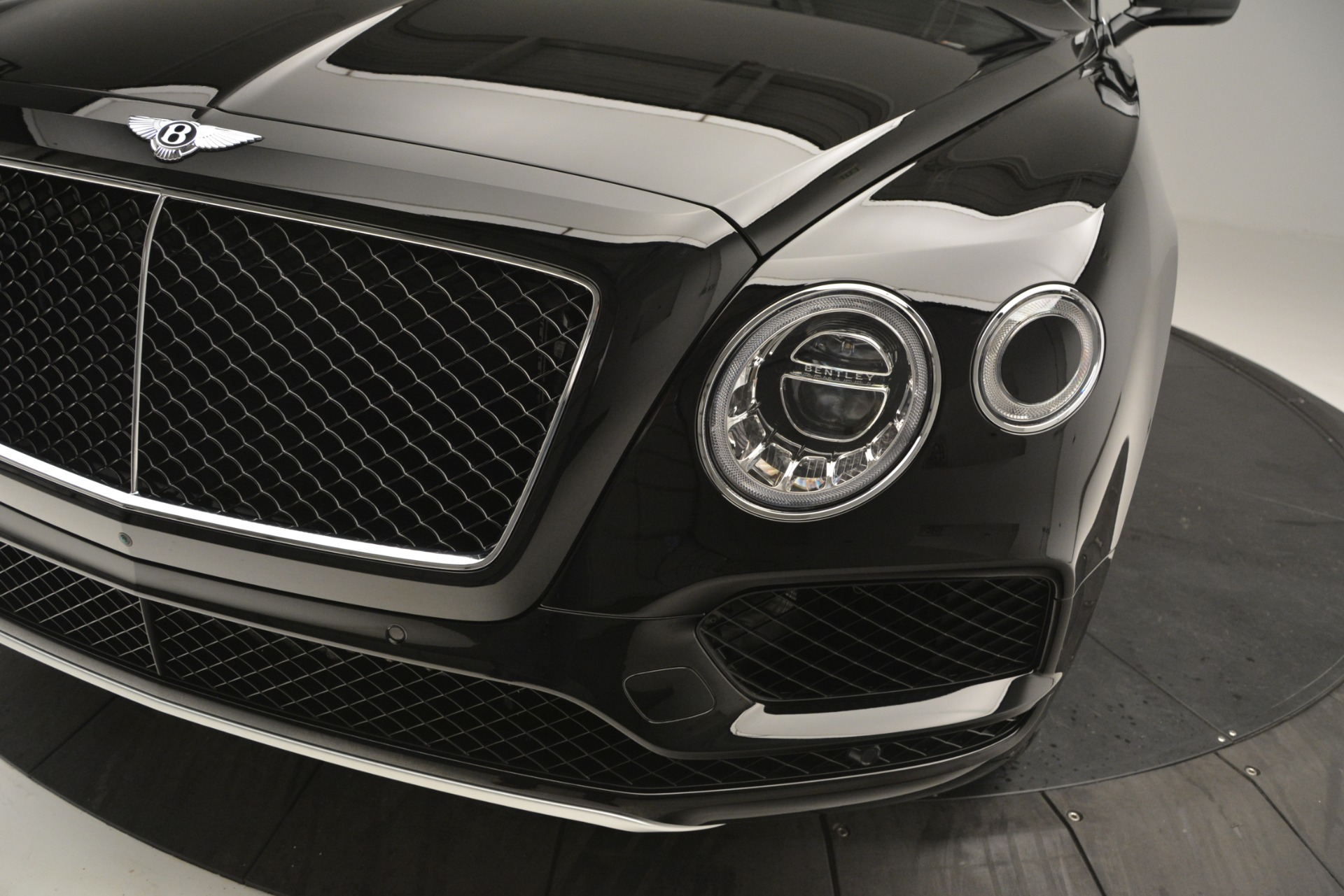 New 2019 Bentley Bentayga V8 For Sale In Greenwich, CT 2545_p14