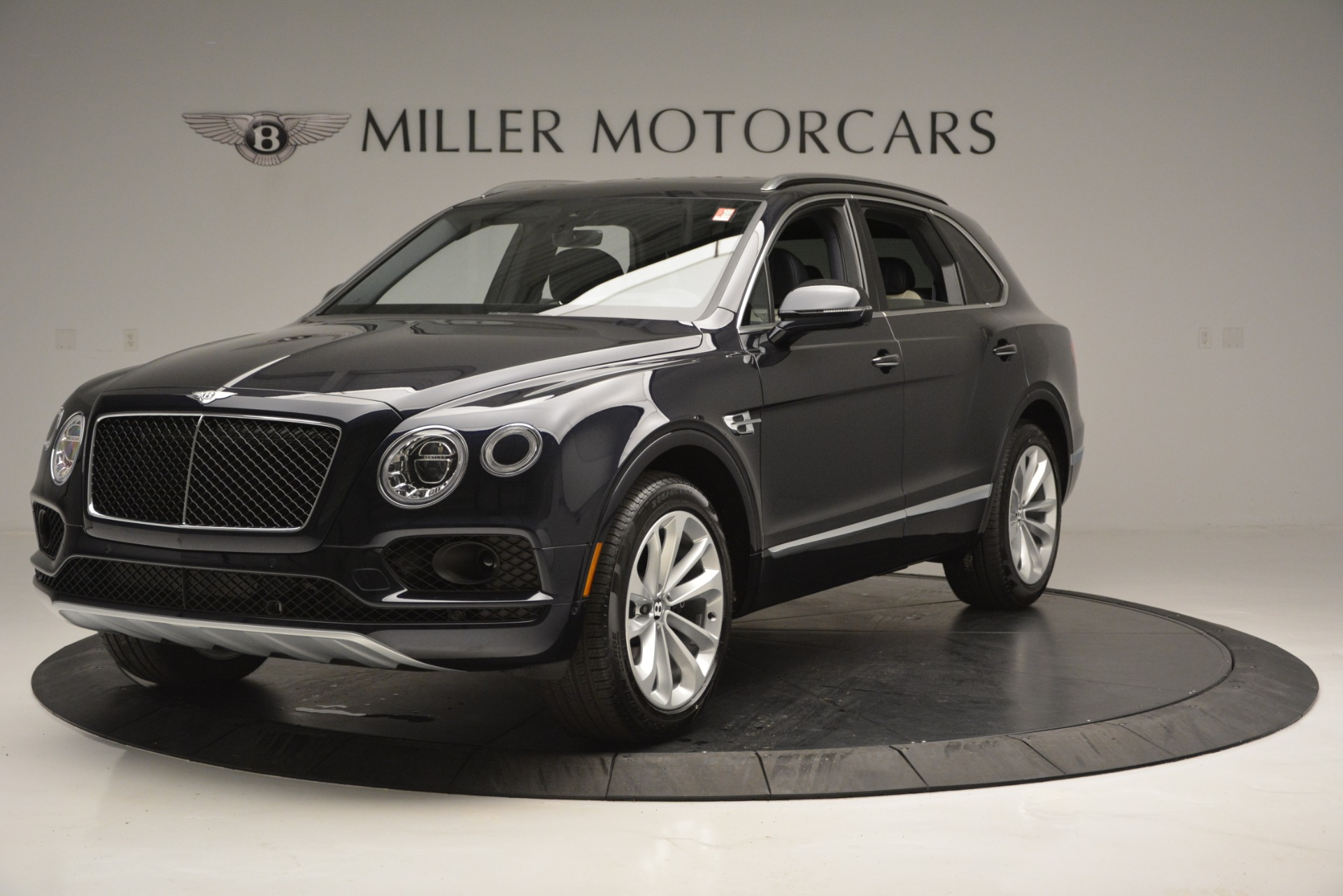 New 2019 Bentley Bentayga V8 For Sale In Greenwich, CT 2546_main