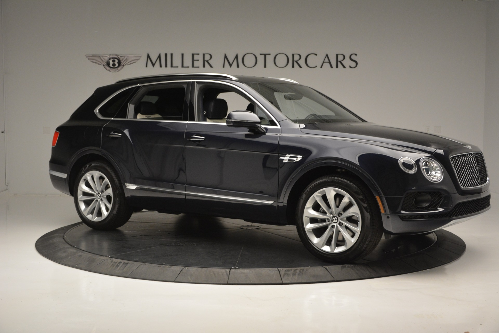 New 2019 Bentley Bentayga V8 For Sale In Greenwich, CT 2546_p10